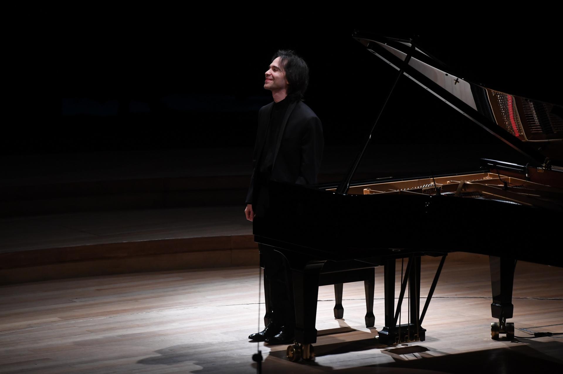 Horacio Lavandera, emocionado ante la aclamación del público