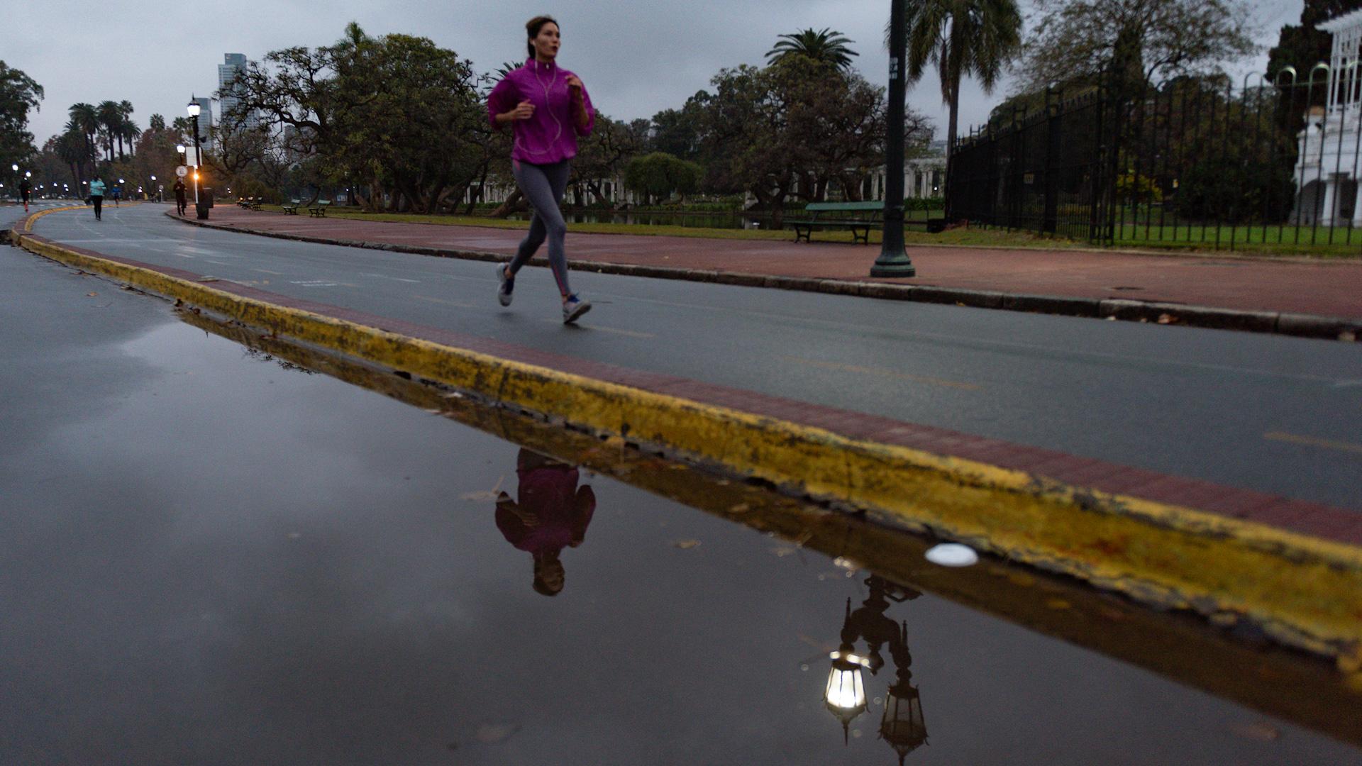Entre los runners no se vieron barbijos. El protocolo publicado por el gobierno porteño no establece su obligatoriedad.