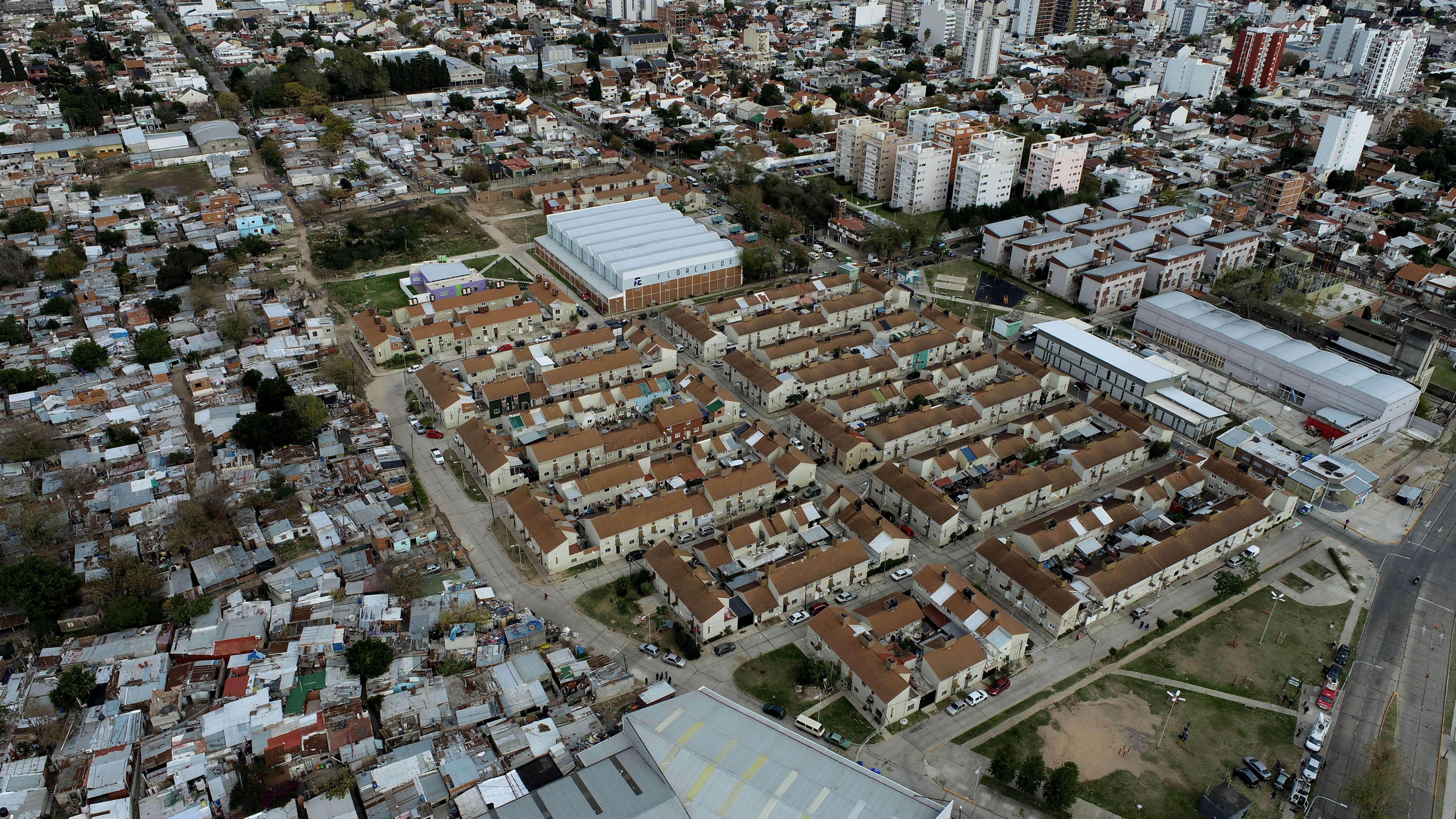 Tres cuartas partes de la Villa Azul están en Quilmes; el resto, en Avellaneda, donde el 85% del territorio se urbanizó a partir de 2008