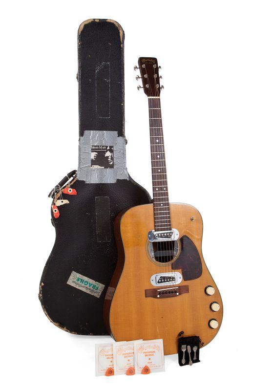 "La guitarra de Kurt Cobain en el disco ""Unplugged"" podría ..."