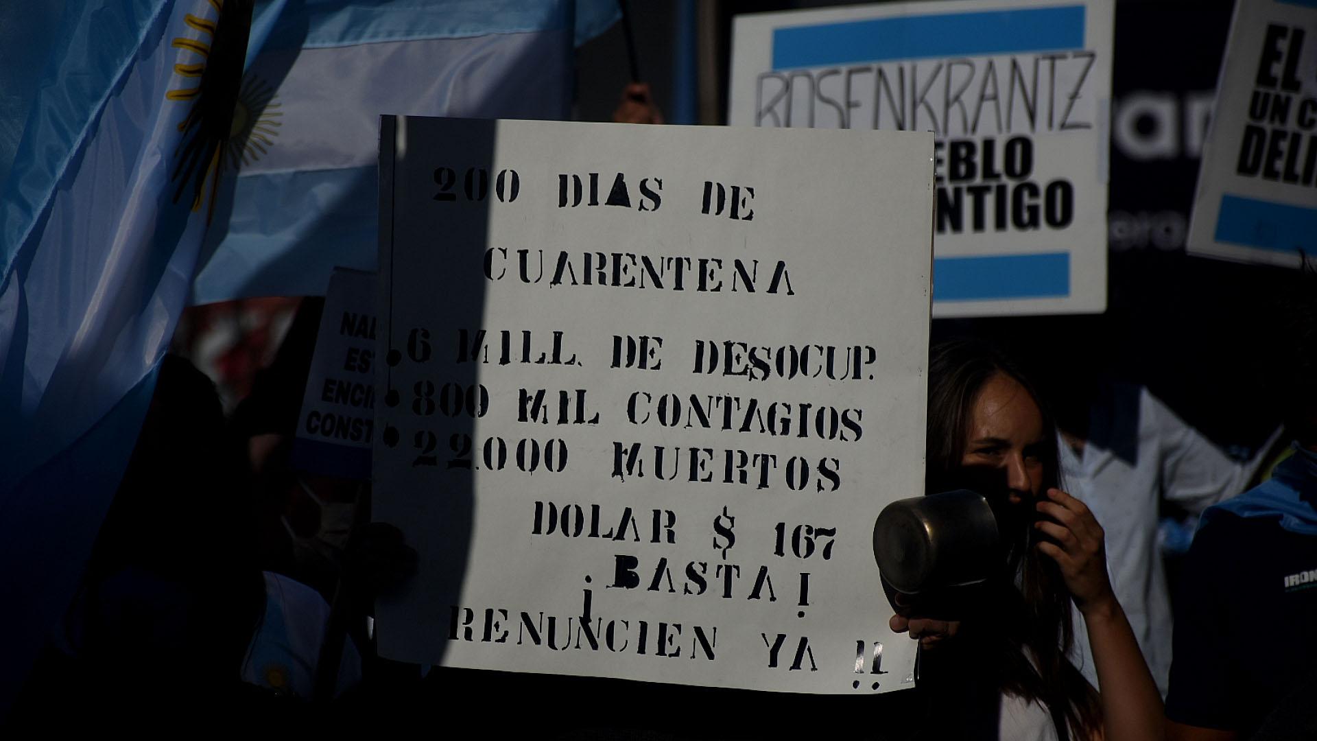 La cuarentena de más de 200 días dispuesta por Alberto Fernández fue otro de los temas más cuestionados por los manifestantes