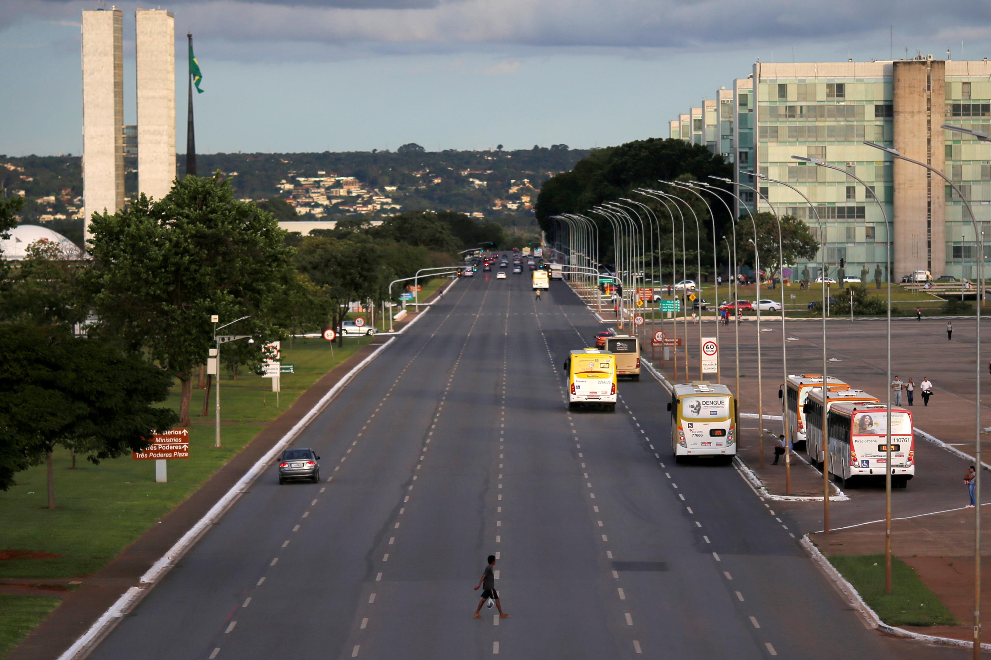 La avenida de los ministerios en Brasilia, capital de Brasil (REUTERS/Adriano Machado)