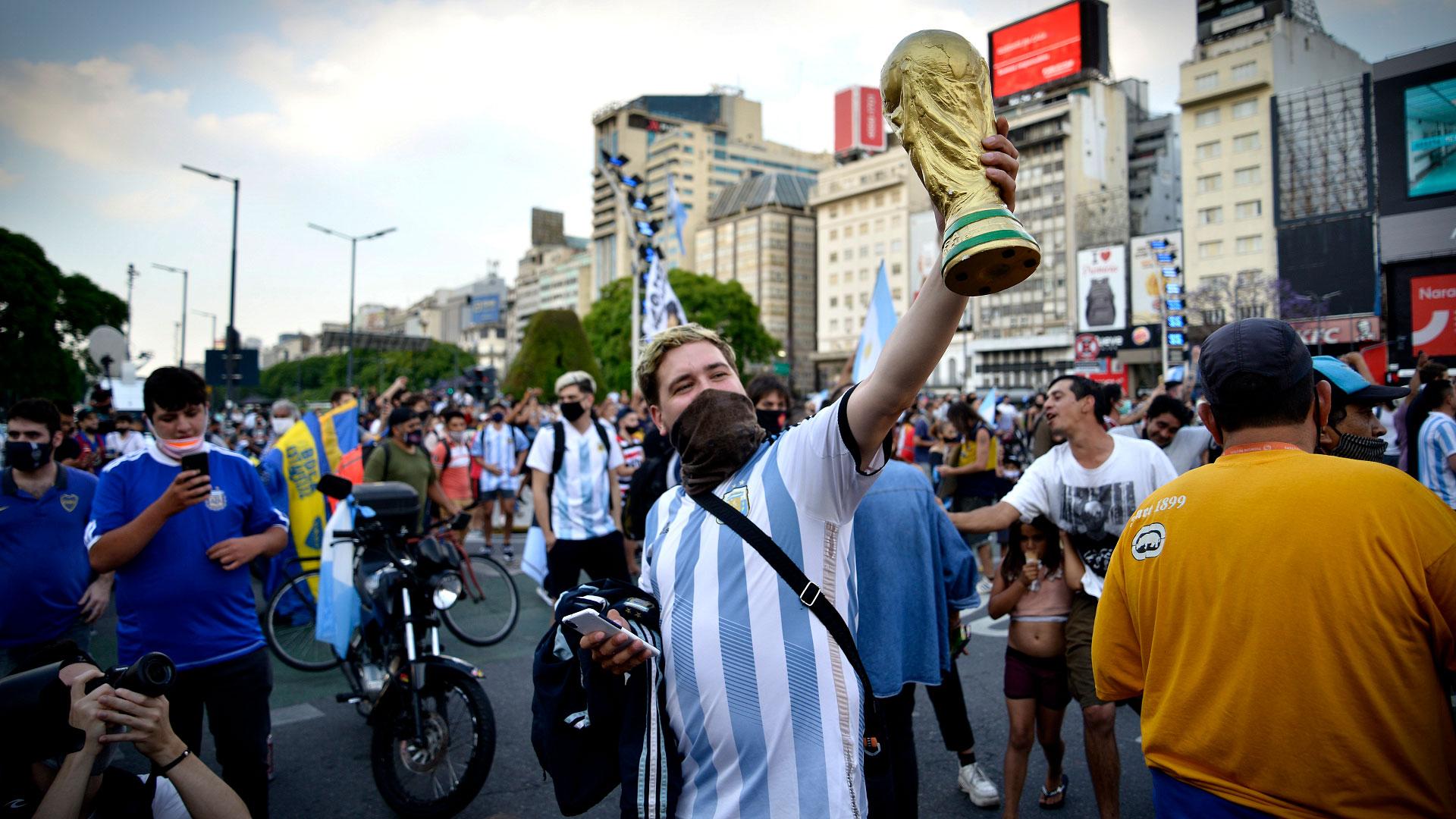 La Copa del Mundo, infaltable en los homenajes (Gustavo Gavotti)