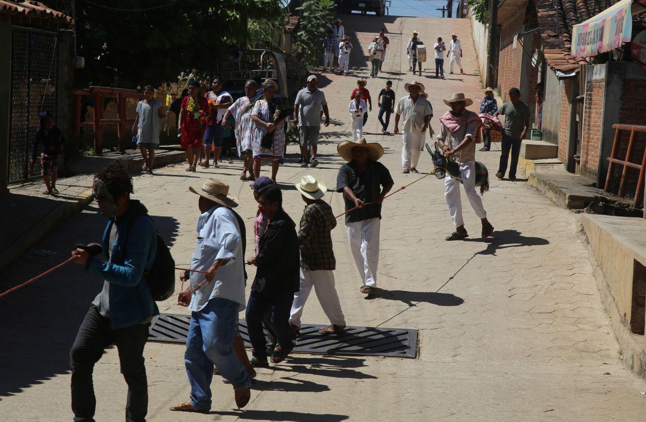 Habitantes del municipio de Xochistlahuaca realizaron la danza del