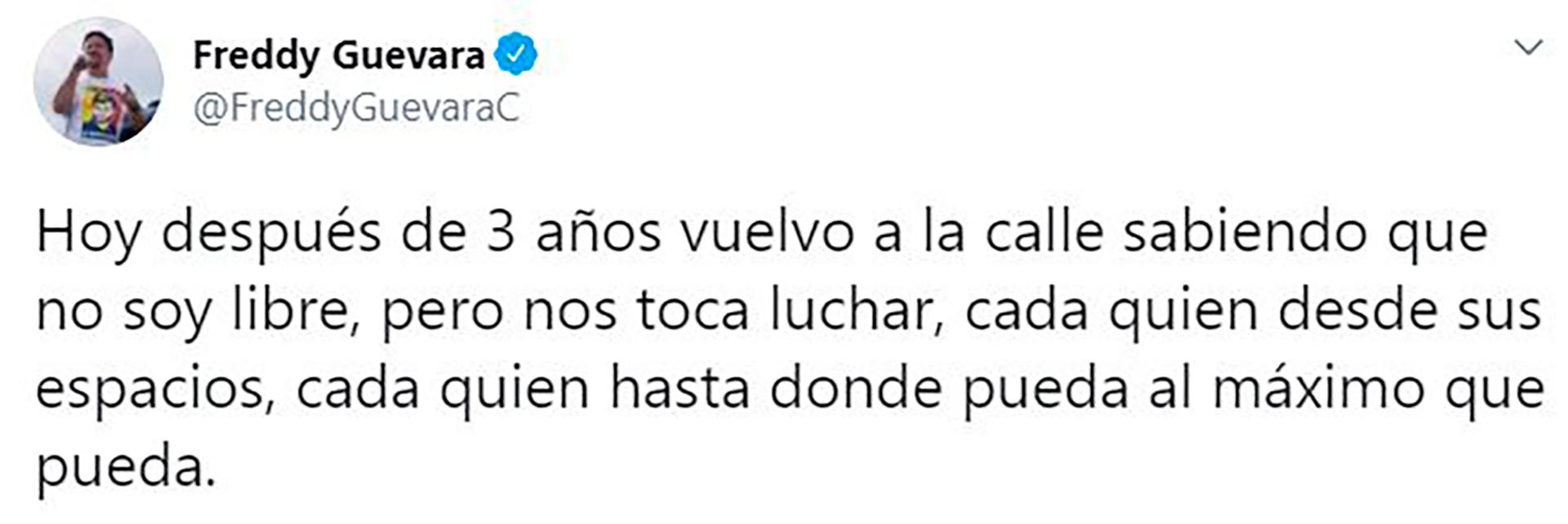 El primer tuit de Guevara tras salir de la embajada