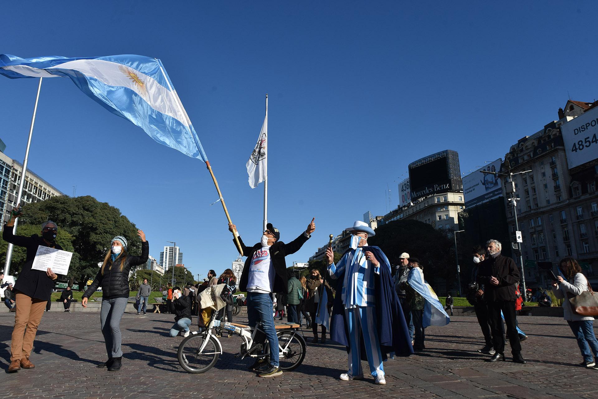 Para el Gobierno, la concentración en el Obelisco rompió con los límites impuestos en la cuarentena