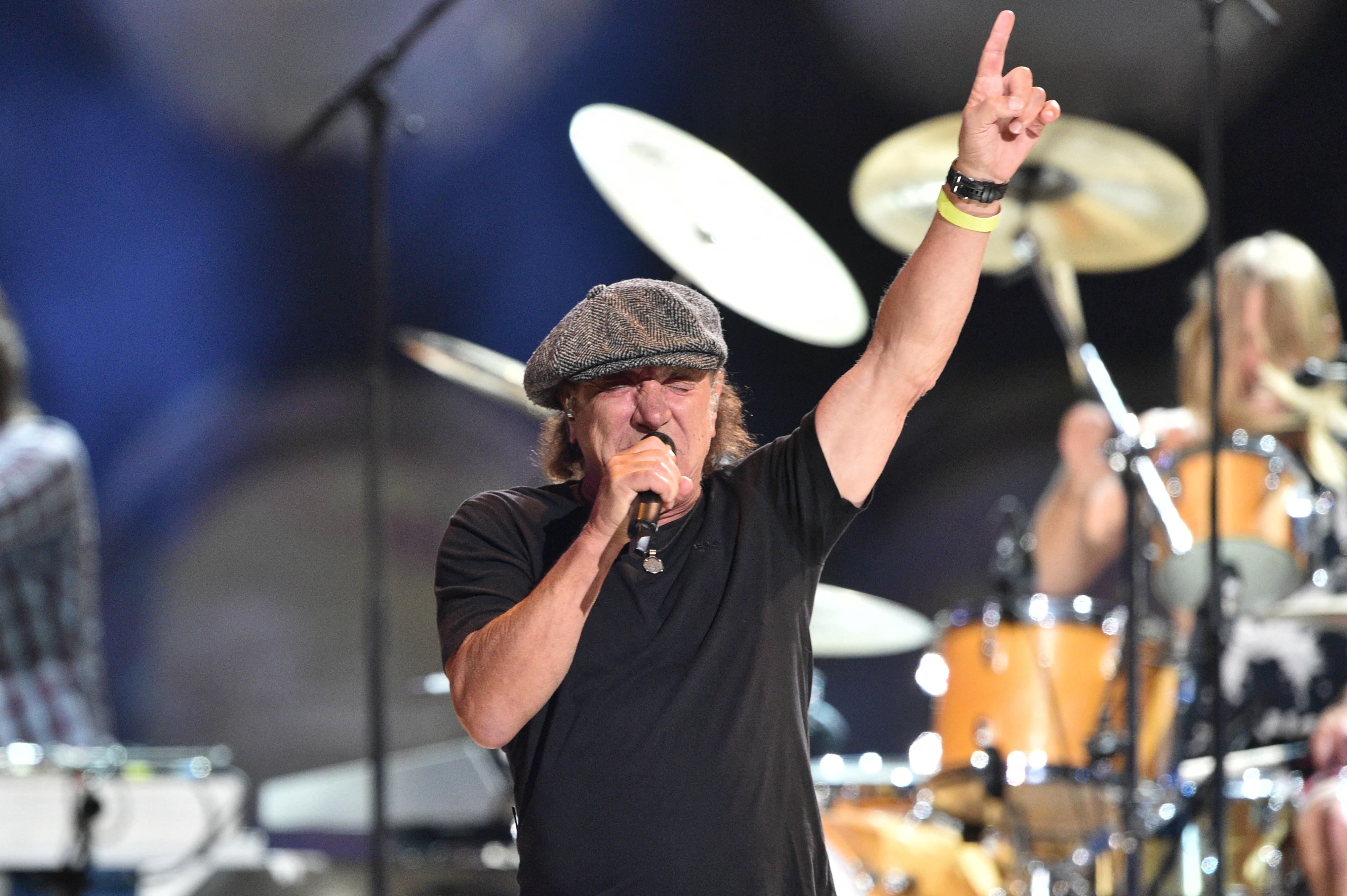 AC/DC y autos, los dos amores que marcan la vertiginosa vida de Brian  Johnson - Infobae