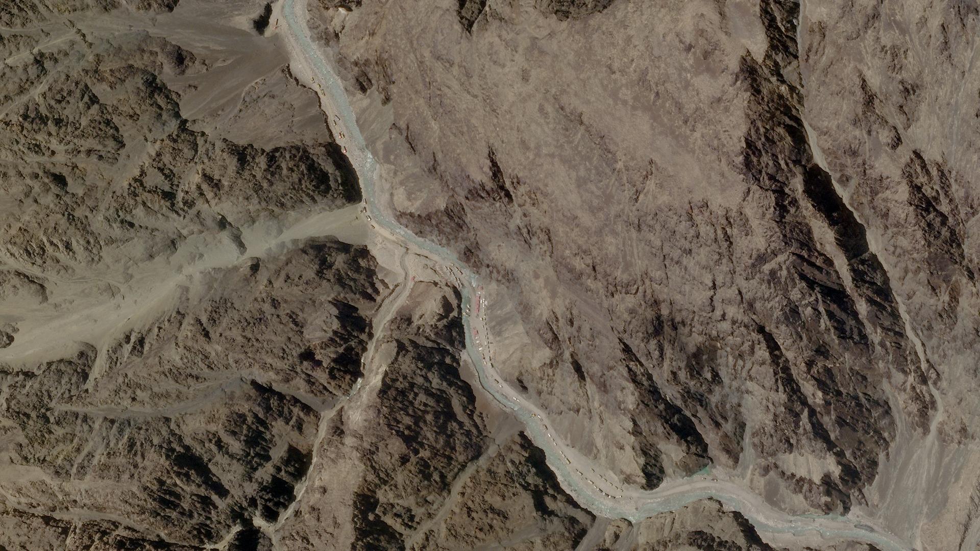 Imagen satelital del valle de Galwan, donde se enfrentaron los soldados (Planet Labs via AFP)