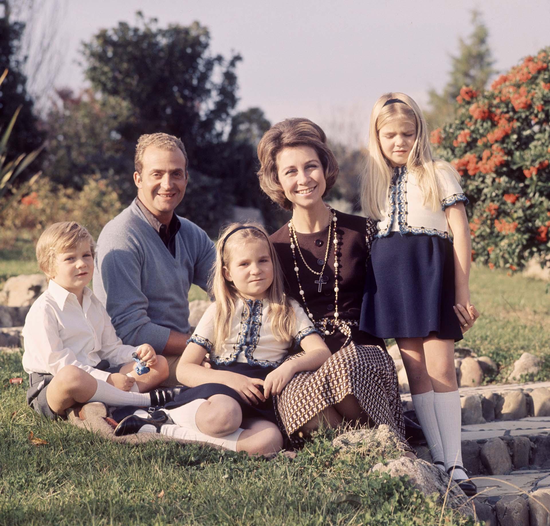 Otro retrato familiar en los jardines del Palacio de la Zarzuela (Shutterstock)
