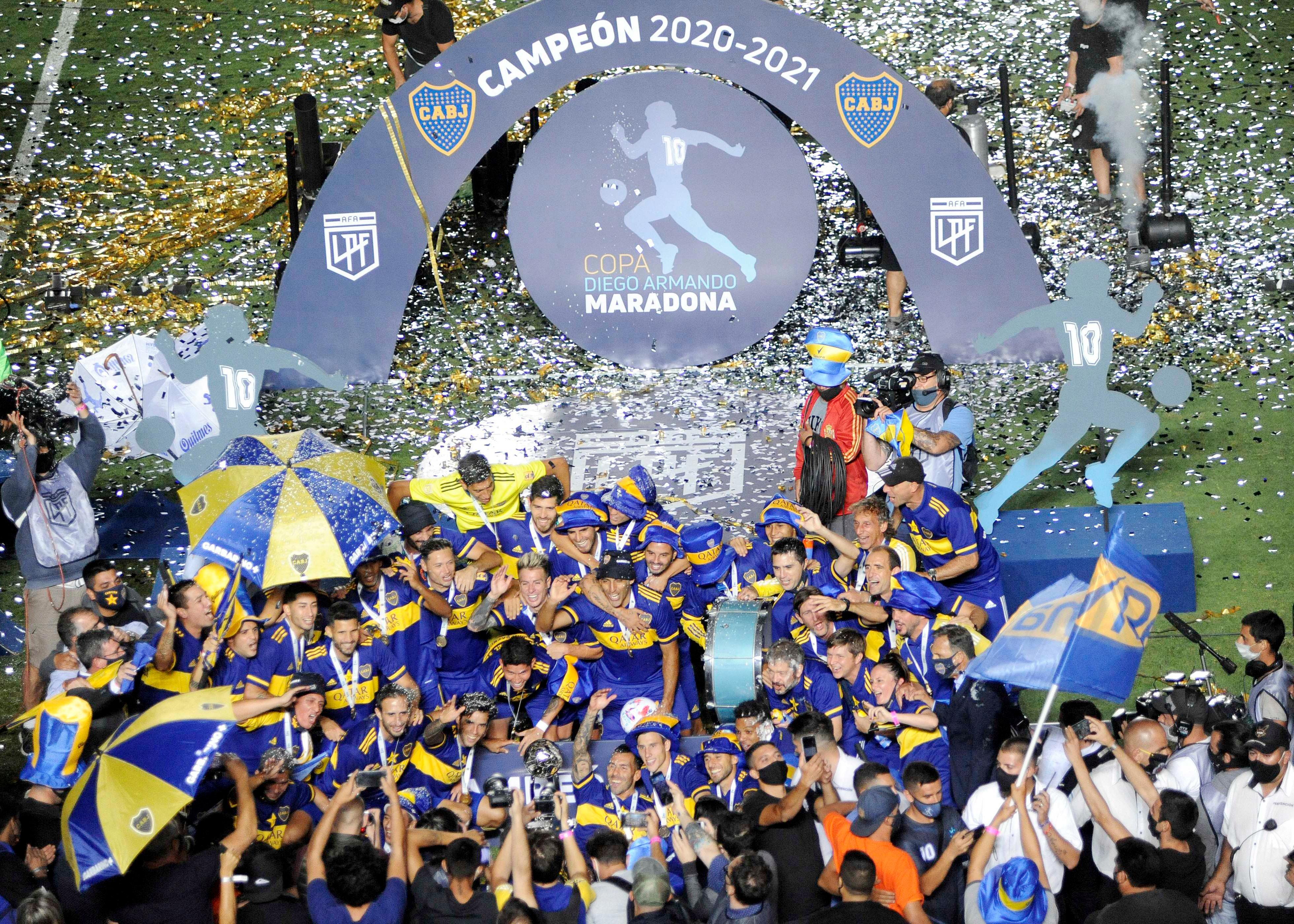 El Xeneize además igualó la línea de River, con 48, como el equipo que más títulos nacionales ganó, sumando Ligas y Copas