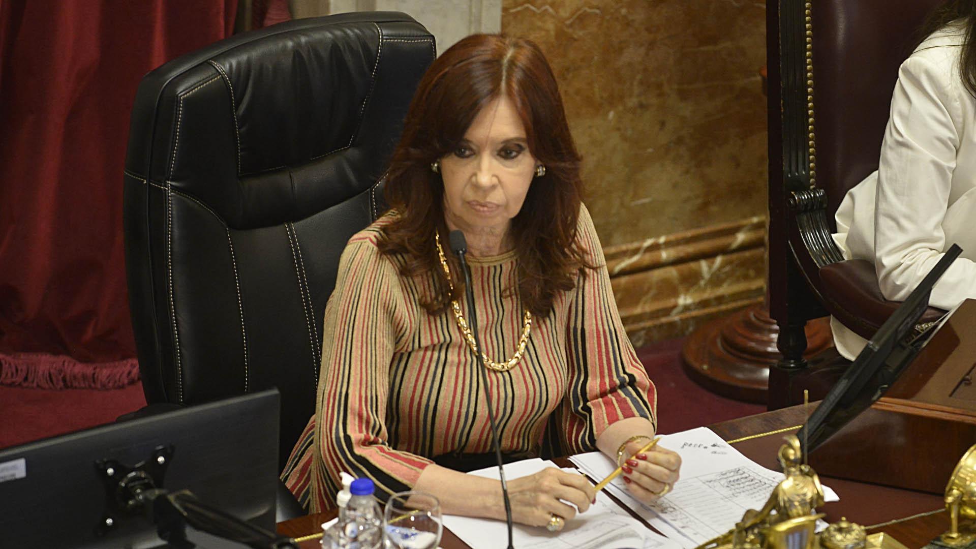 Cristina Kirchner presidió la histórica sesión