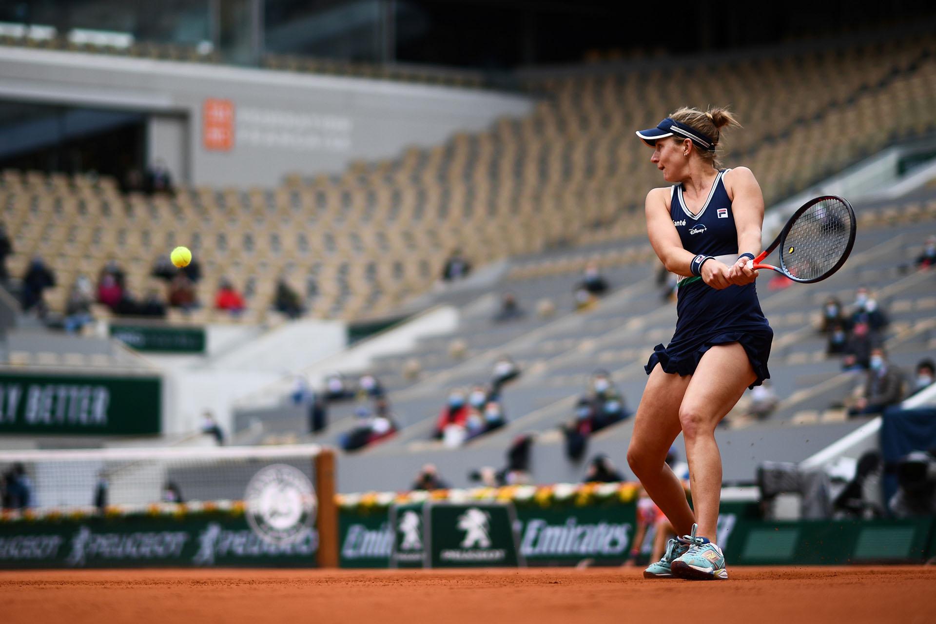 Podoroska logró una victoria histórica en Roland Garros (Photo by Martin BUREAU / AFP)