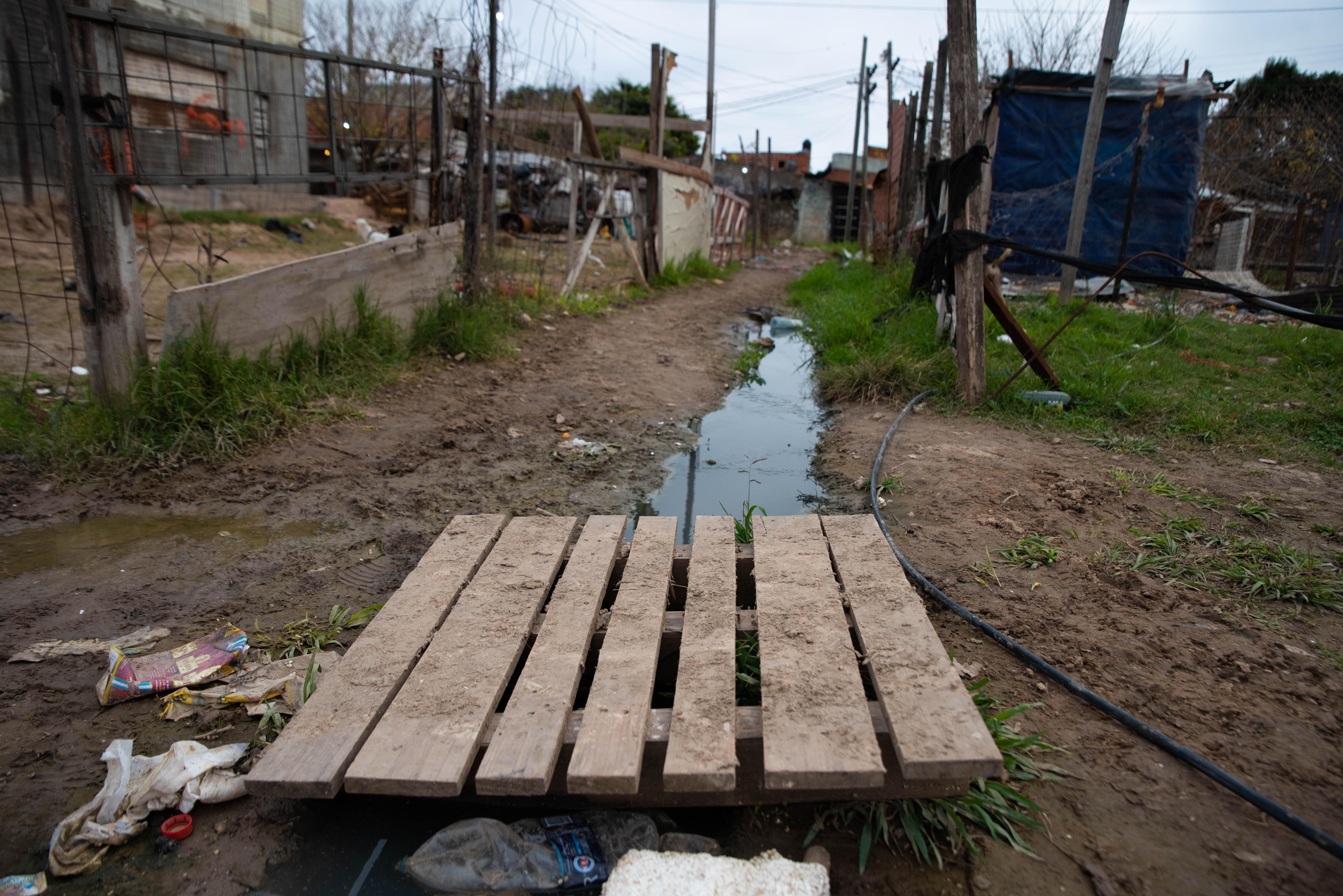 En Villa Azul viven unas 5.000 personas y cerca del 20% no tiene acceso directo al agua