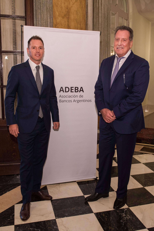 El empresario junto a su hijo Jorge Brito (h), vicepresidente 1º de la Asociación de Bancos Argentinos (ADEBA) y vicepresidente 1ro del Club Atlético River Plate (Gentileza ADEBA)