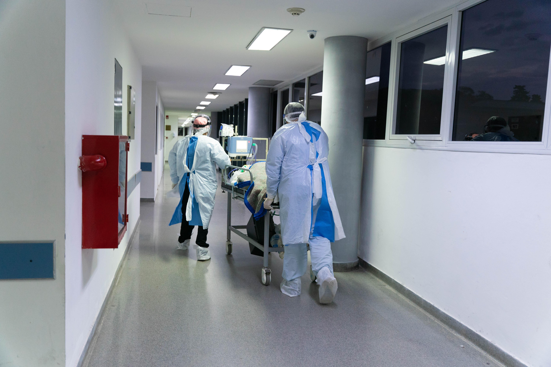Antes de la pandemia, el hospital tenía una Unidad de Terapia Intensiva igual a esta, pero para pacientes con diferentes enfermedades. La UTI Covid está igual de equipada, pero aislada.