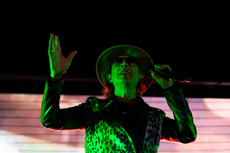El cantautor se mostró feliz de volver a los escenarios.
