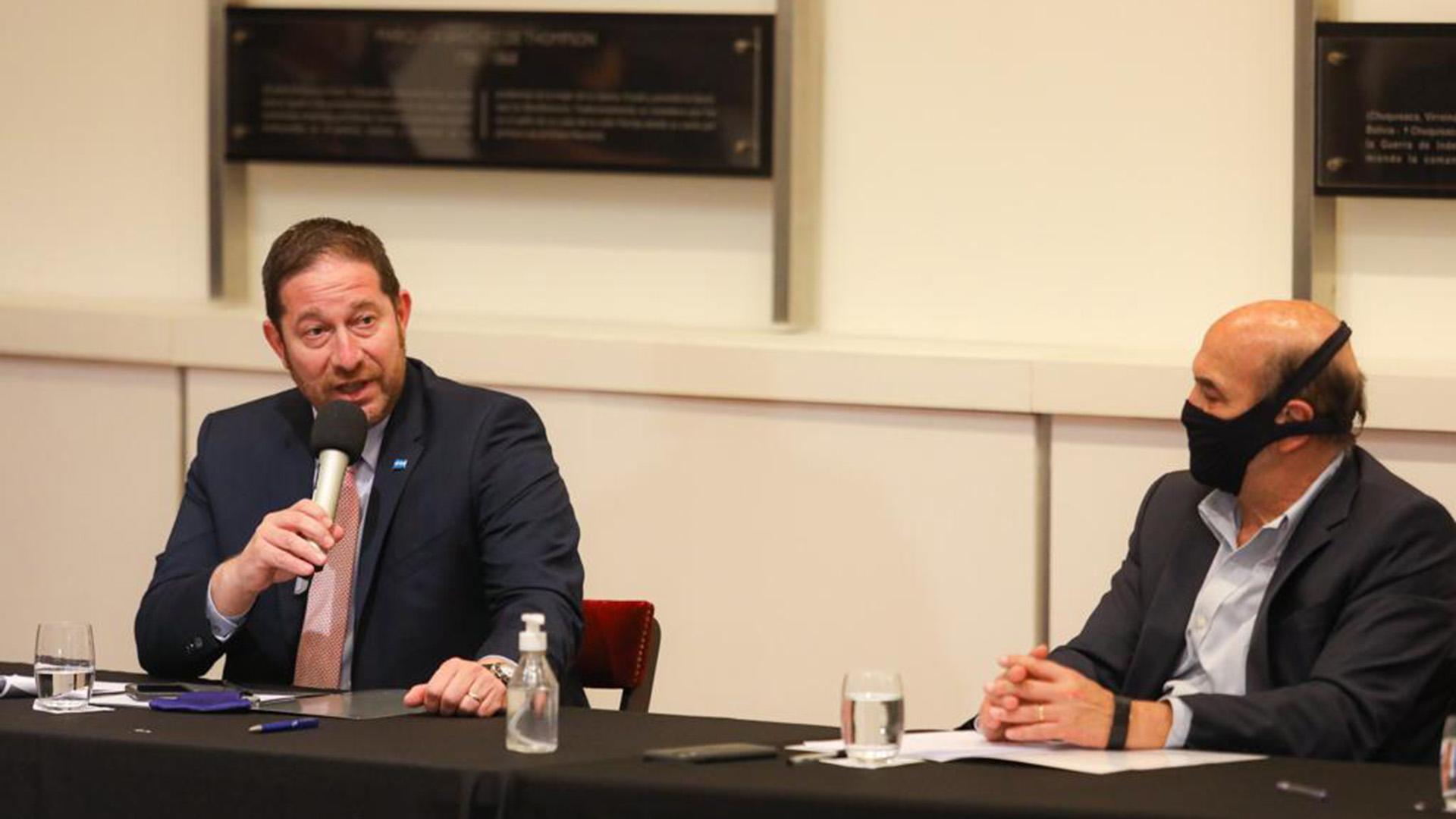 Iván Szczech, presidente de la Cámara de la Construcción, y David Uriburu; secretario de la UIA