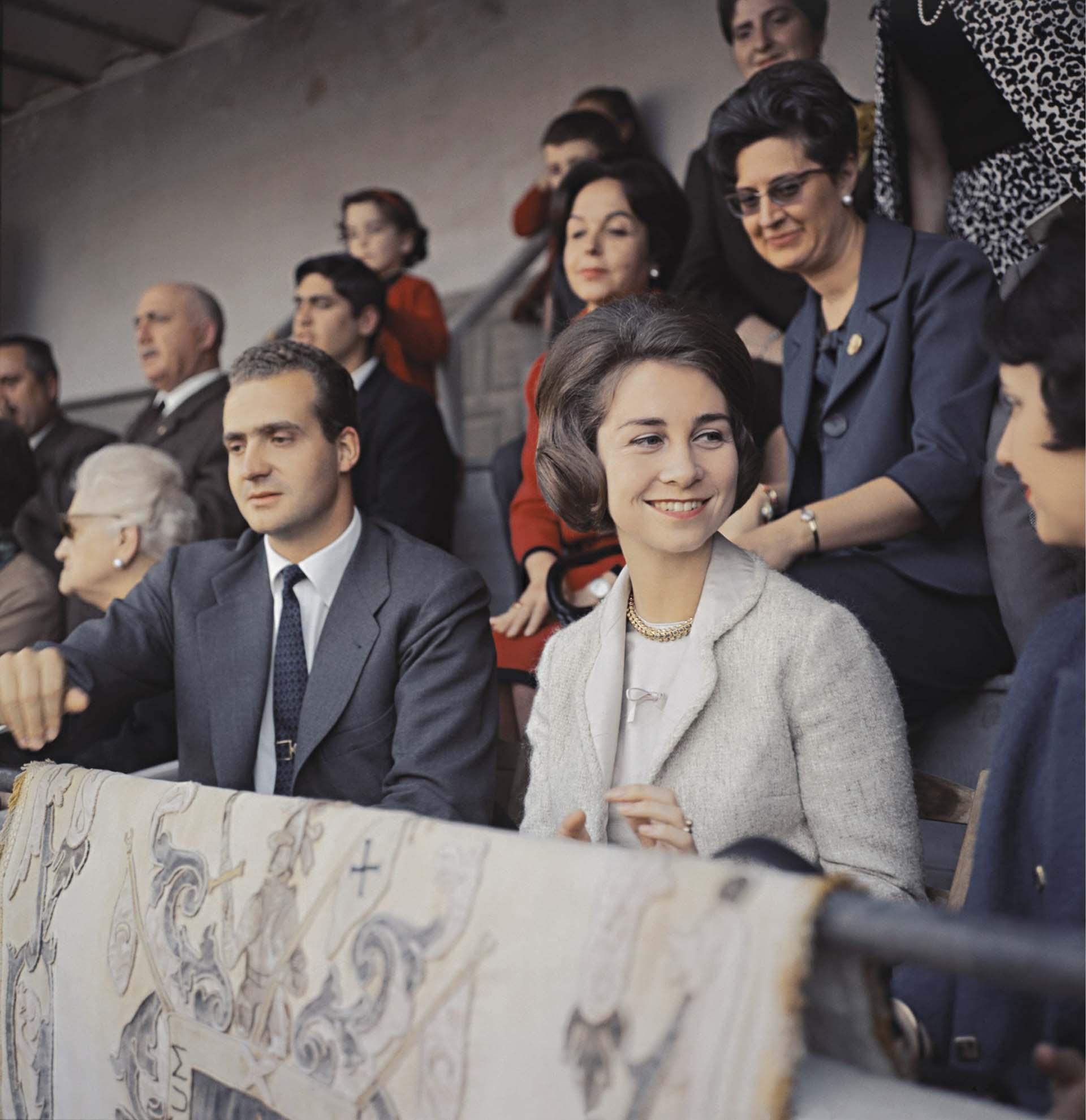 Juan Carlos y Sofía en una fotografía sin fecha ni locación mucho antes de asumir como rey de España (Shutterstock)