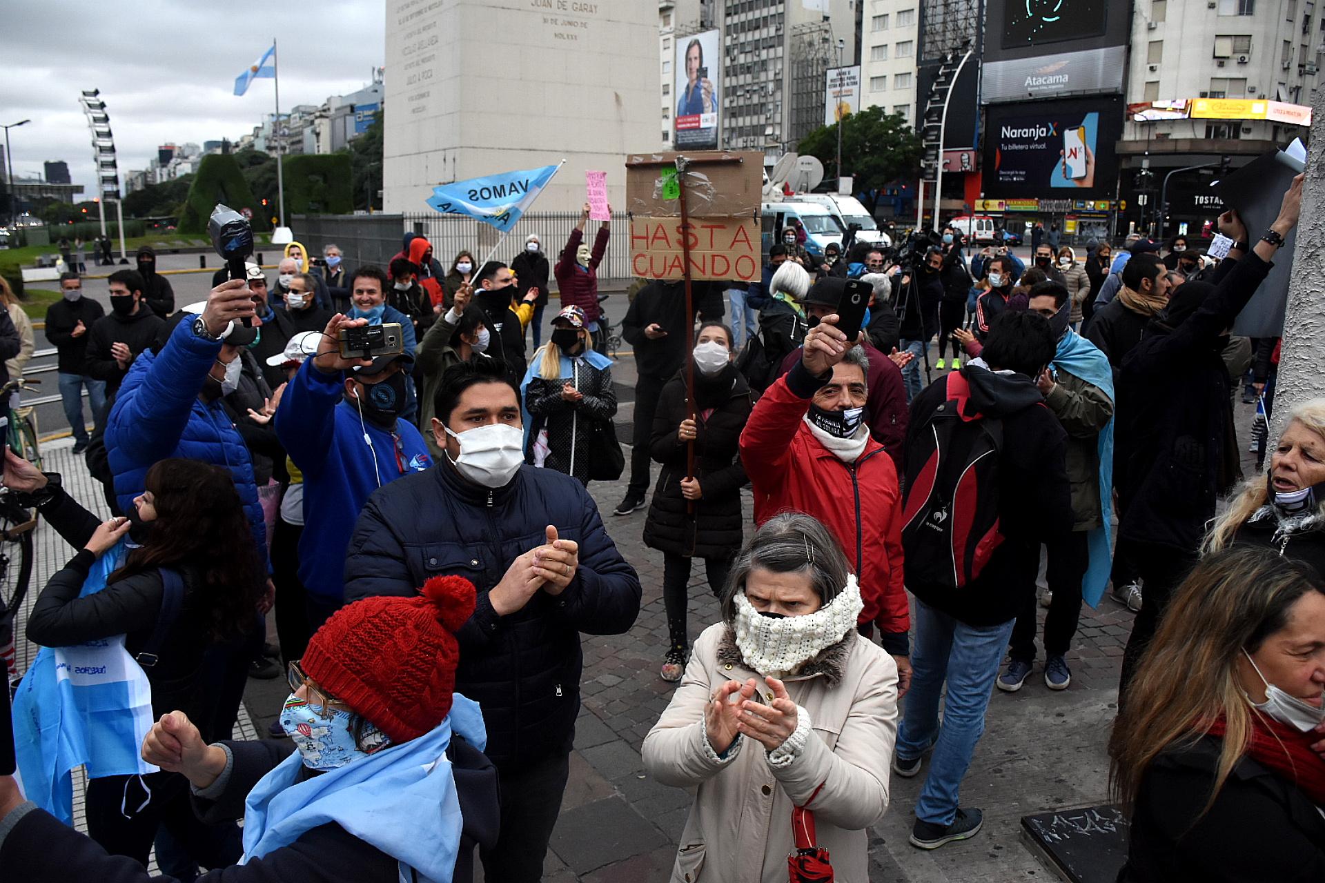 El 30 de mayo, el Obelisco fue escenario de una protesta anticuarentena. Unos pocos centenares de personas se reunieron allí y el Plaza de Mayo para pedir el fin de la medida gubernamental. Un día antes, un documento contra el gobierno titulado