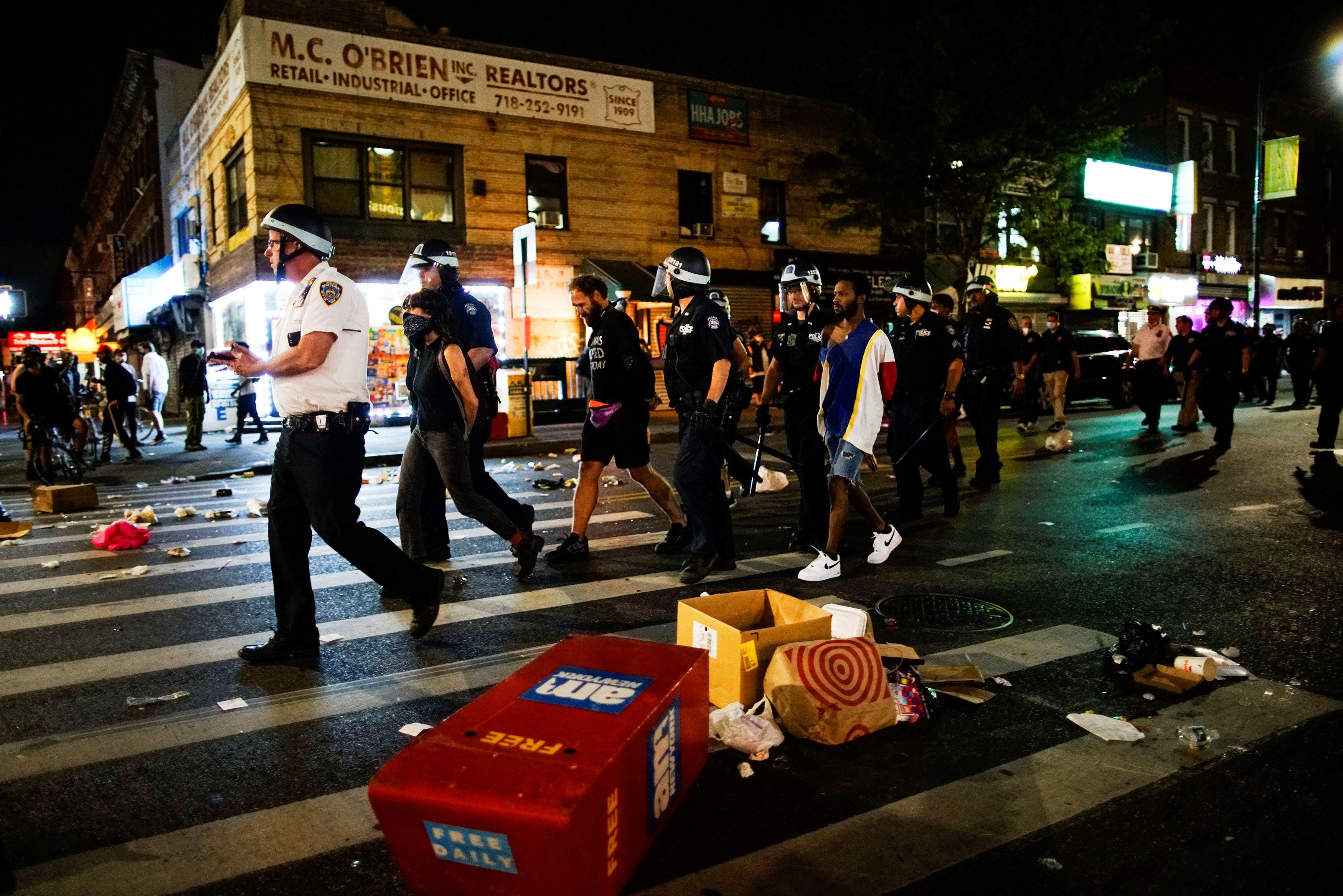 Arresto de manifestantes en Brooklyn