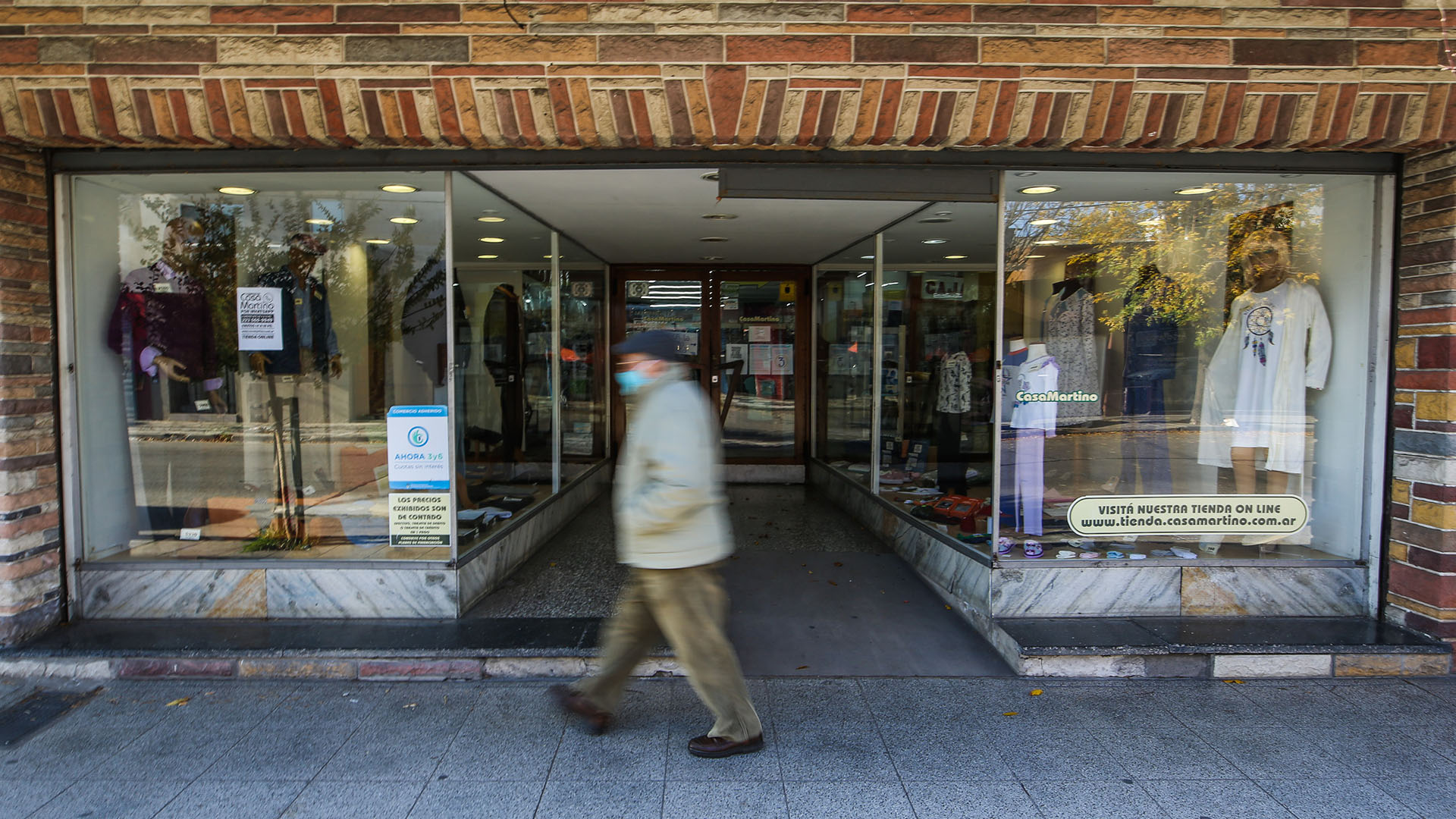 Con la flexibilización de la cuarentena hubo mas tiempo para salir a hacer las compras (Christian Heit)
