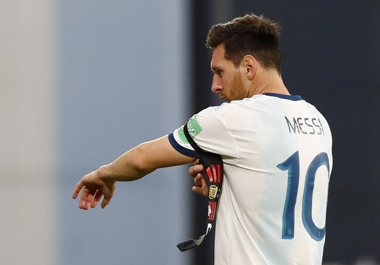 Messi y la cinta de capitán, inseparables (REUTERS/Agustin Marcarian)