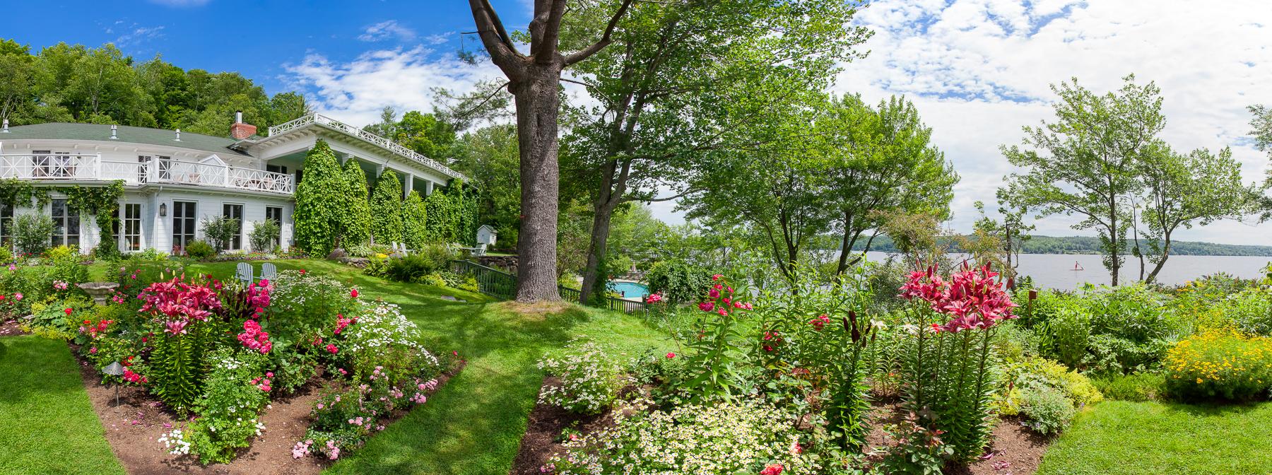 Los jardines incluyen plantas perennes, anuales, hierbas y productos del jardín comestible (Manoir Hovey)