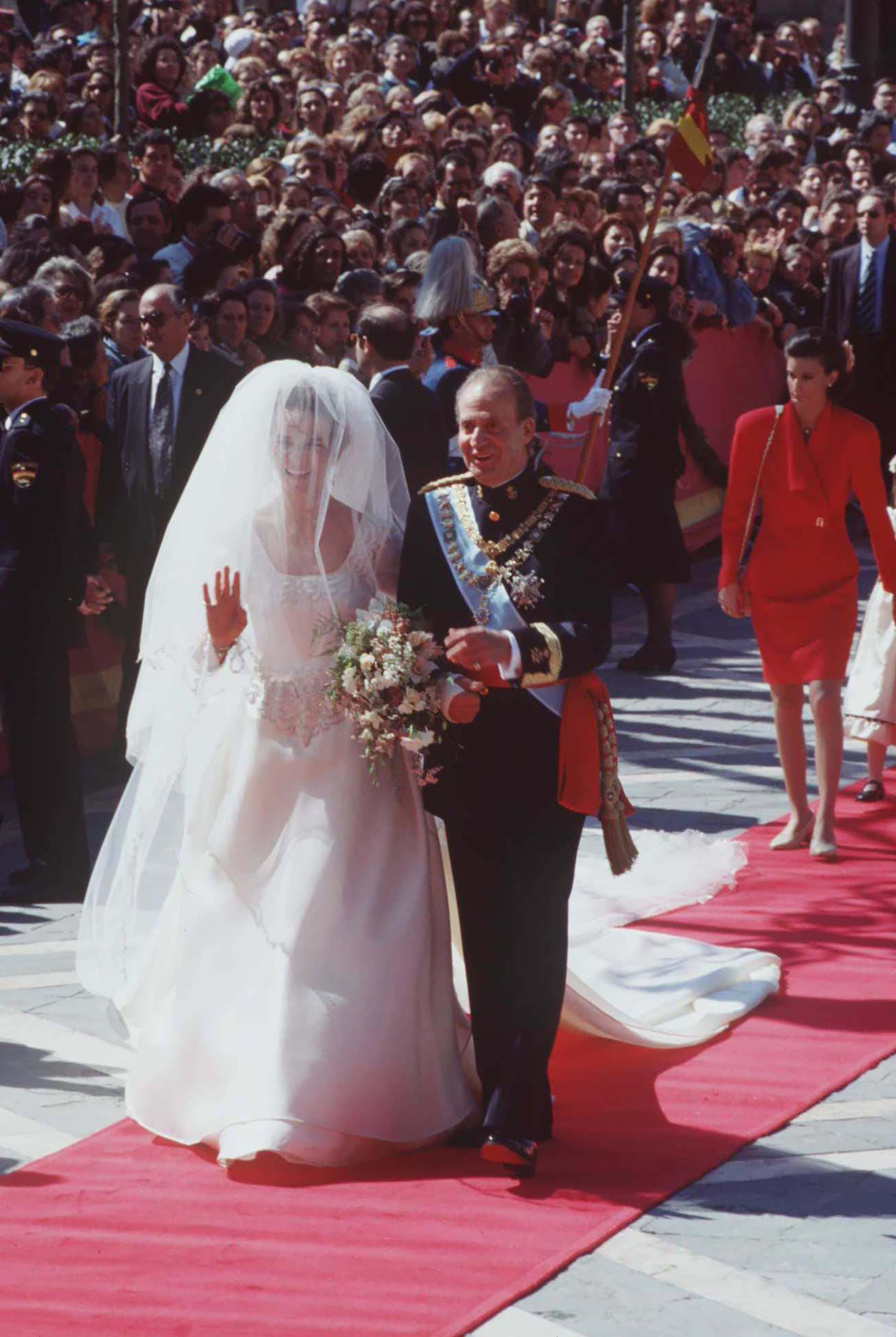 La princesa Elena y Jaime de Marichalar. El rey Juan Carlos, presente durantela boda real en Sevilla (Shutterstock)