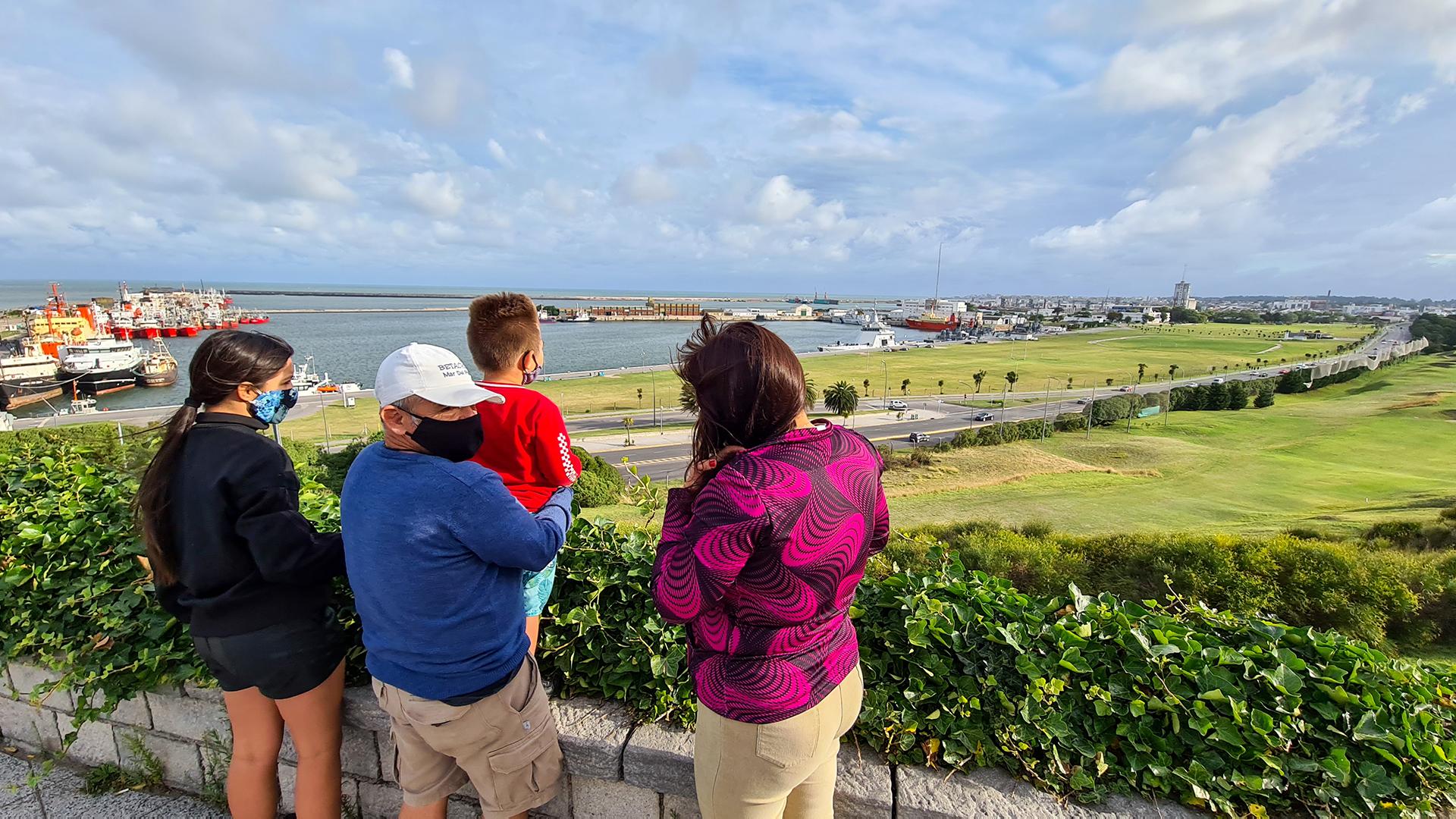 Las familias aprovecharon un fin de semana inestable para hacer otras actividades por fuera de las playas