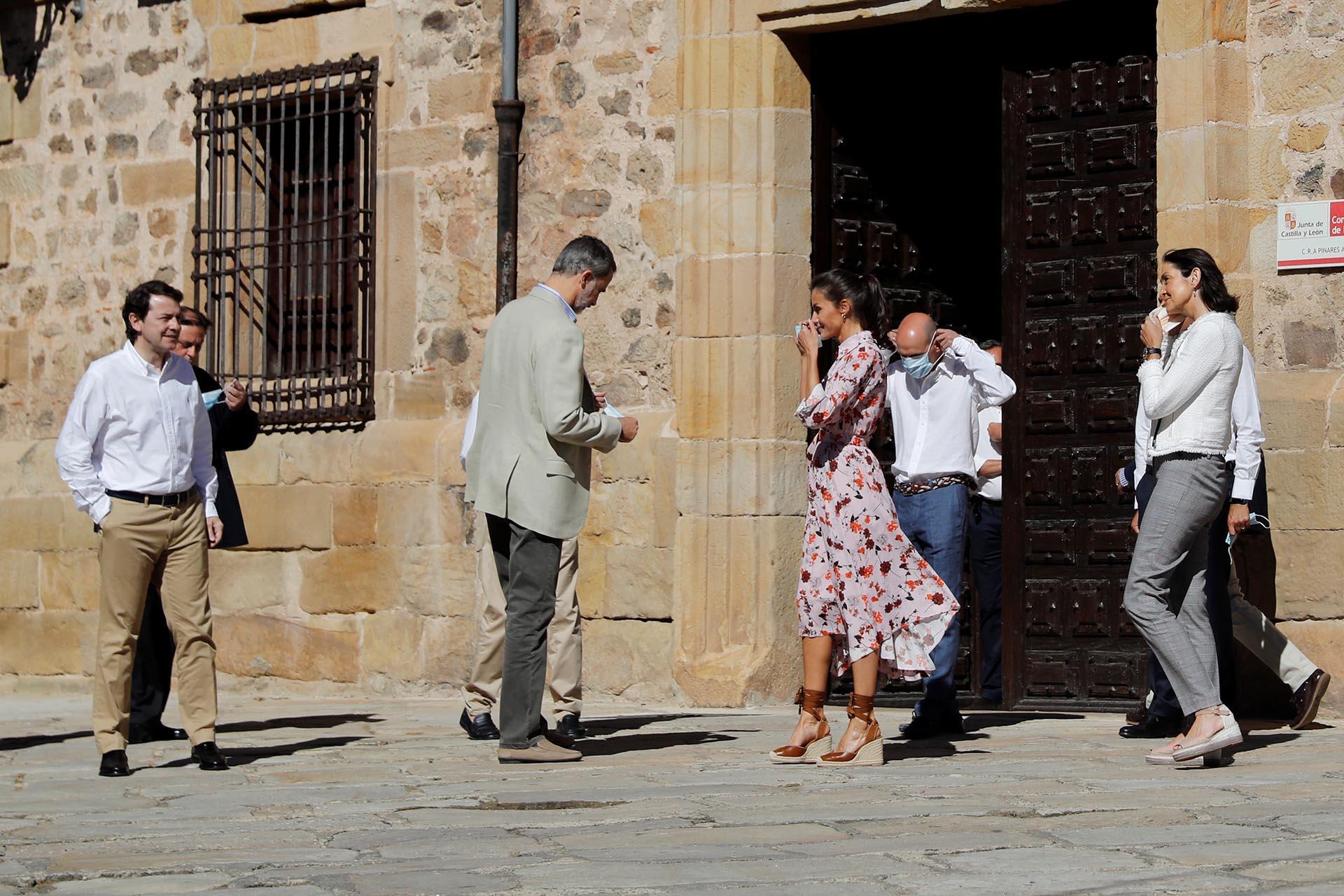Castilla y León es la novena comunidad autónoma que recorren los reyes Felipe y Letizia, en agradecimiento por el esfuerzo hecho durante la pandemia y para transmitir su apoyo ante el escenario de crisis en el que está inmerso el país