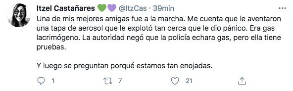 Usuarios en redes sociales aseguraron que el gobierno de la Ciudad de México utilizó gas lacrimógeno para dispersar manifestantes (Foto: Captura de pantalla/Twitter/@ItzCas)