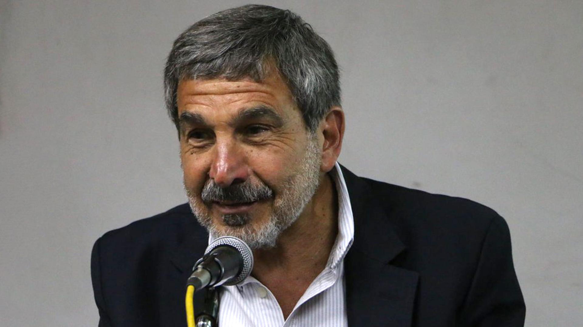 """Roberto Salvarezza: """"Estamos derribando el mito del investigador científico encerrado en una torre de cristal"""" - Infobae"""