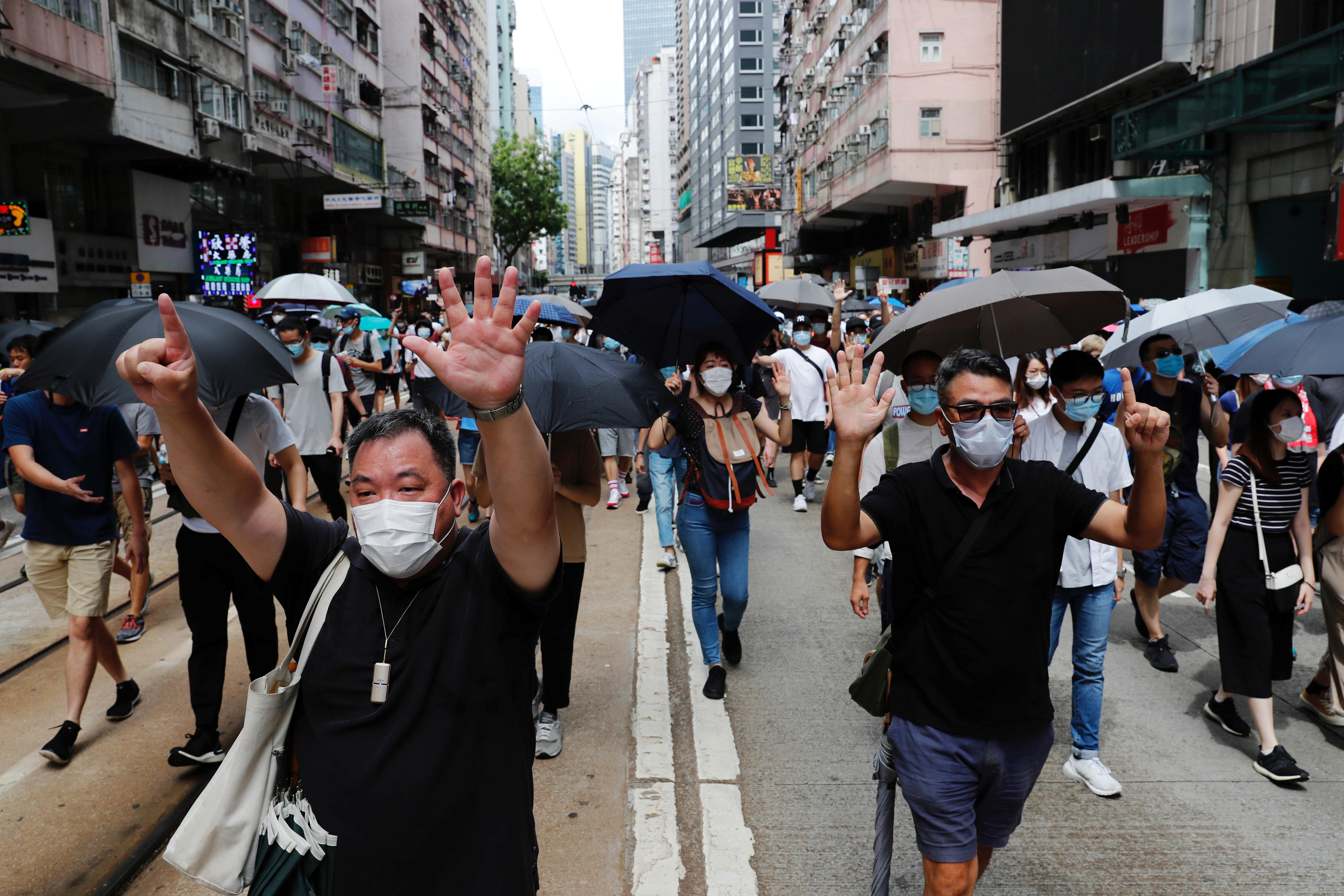 La ley de seguridad de Estado en Hong Kong, adoptada el martes, permite reprimir cuatro tipos de delitos contra la seguridad del Estado: las actividades subversivas, la secesión, el terrorismo y la colusión con fuerzas extranjeras para poner en peligro la seguridad nacional