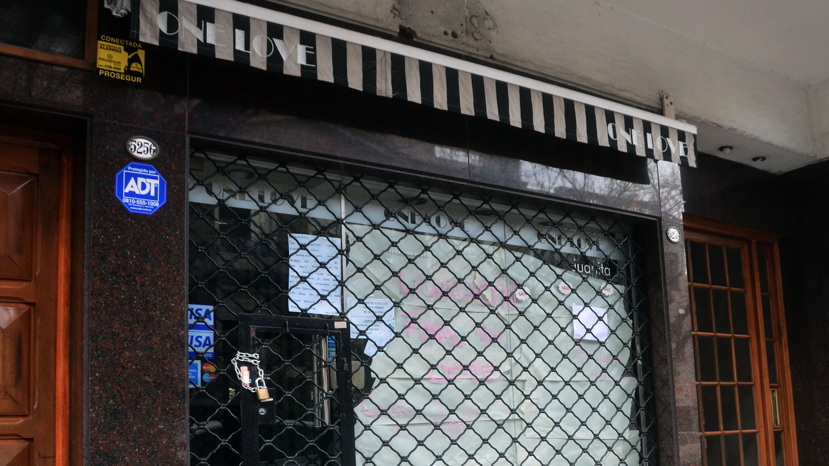 One Love, comercio ubicado en Olazábal 5256