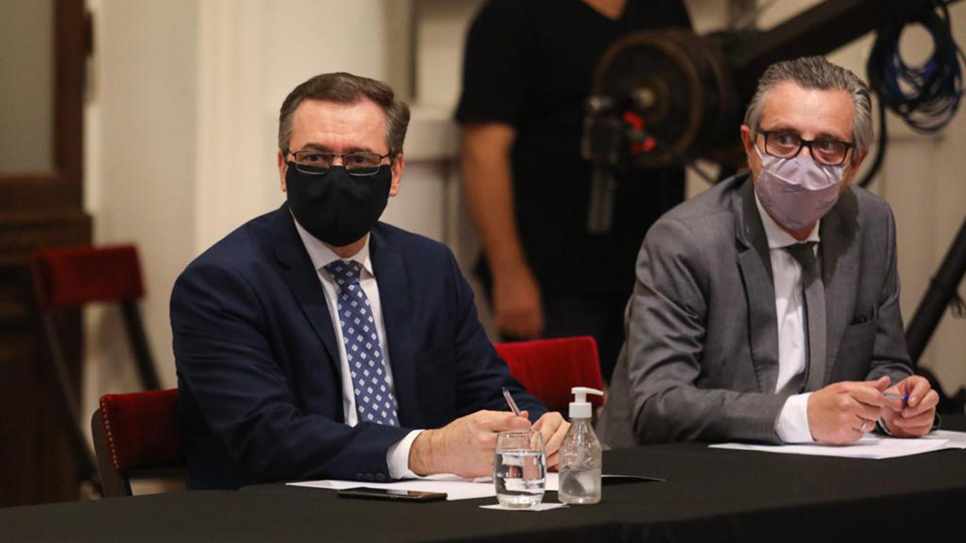 Alberto Hensel, secretario de Mineria; y Ariel Schale, secretario de Industria