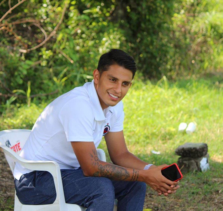 Diego Bartolotta acepta su fracaso y abandona al Club Tiburón a partir de esta martes