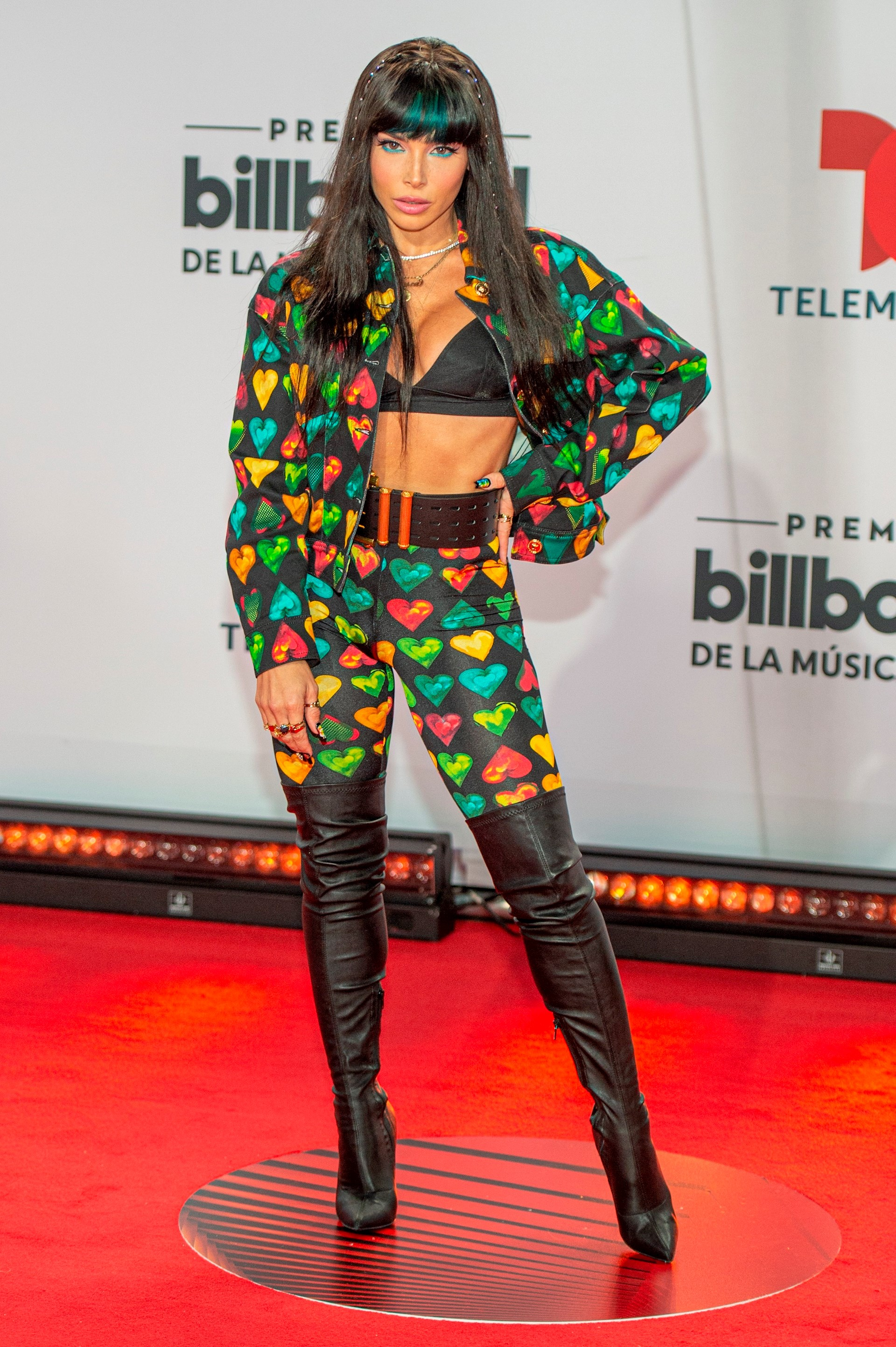 La cantante puertorriqueña Chesca posa hoy a su llegada a la alfombra roja de los Premios Billboard de la Música Latina, en el BB&T Center de Sunrise, una ciudad del condado Broward y cercana a Miami, Florida (Foto: EFE/Giorgio Viera)