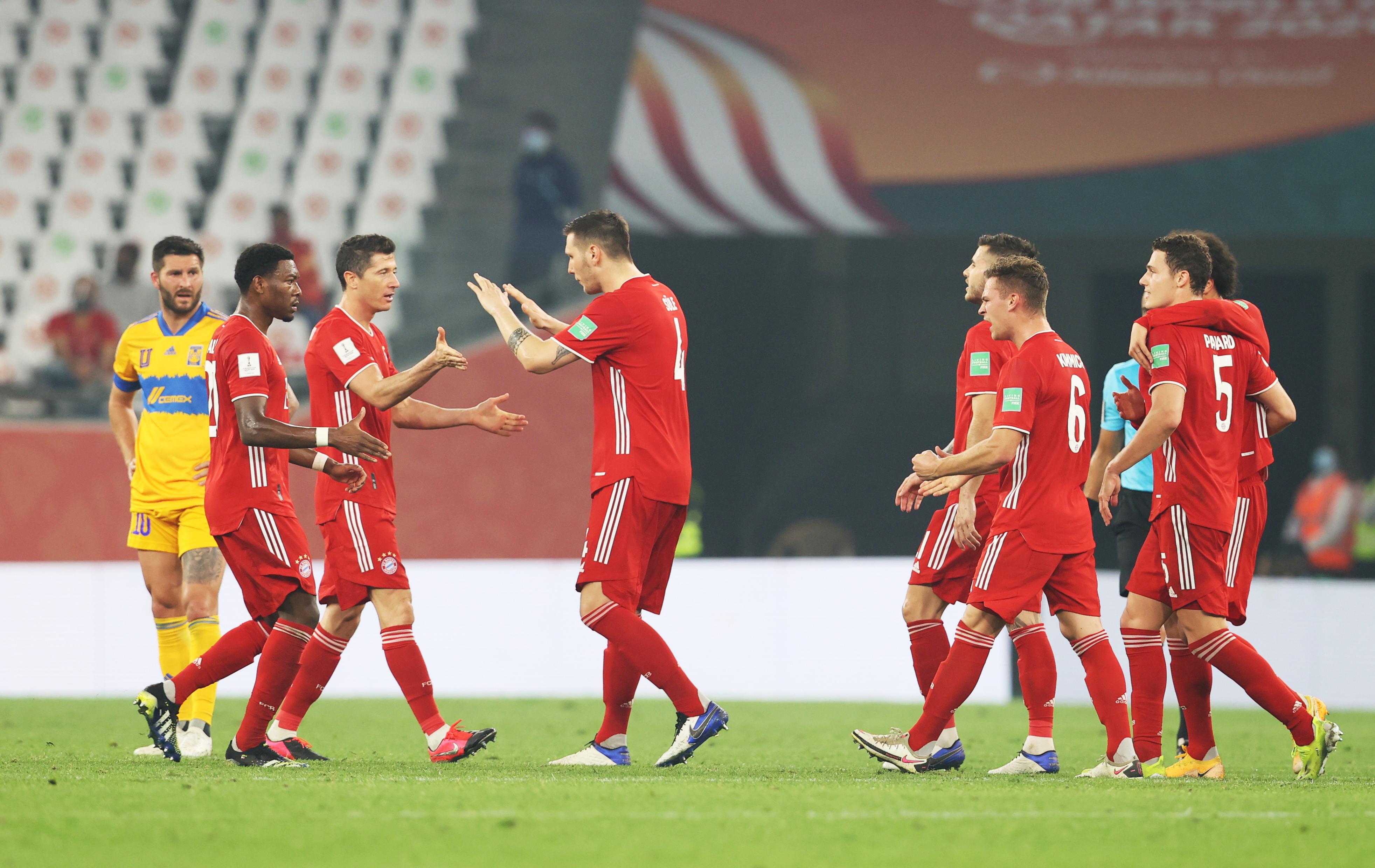 Benjamin Pavard celebra el primer gol.