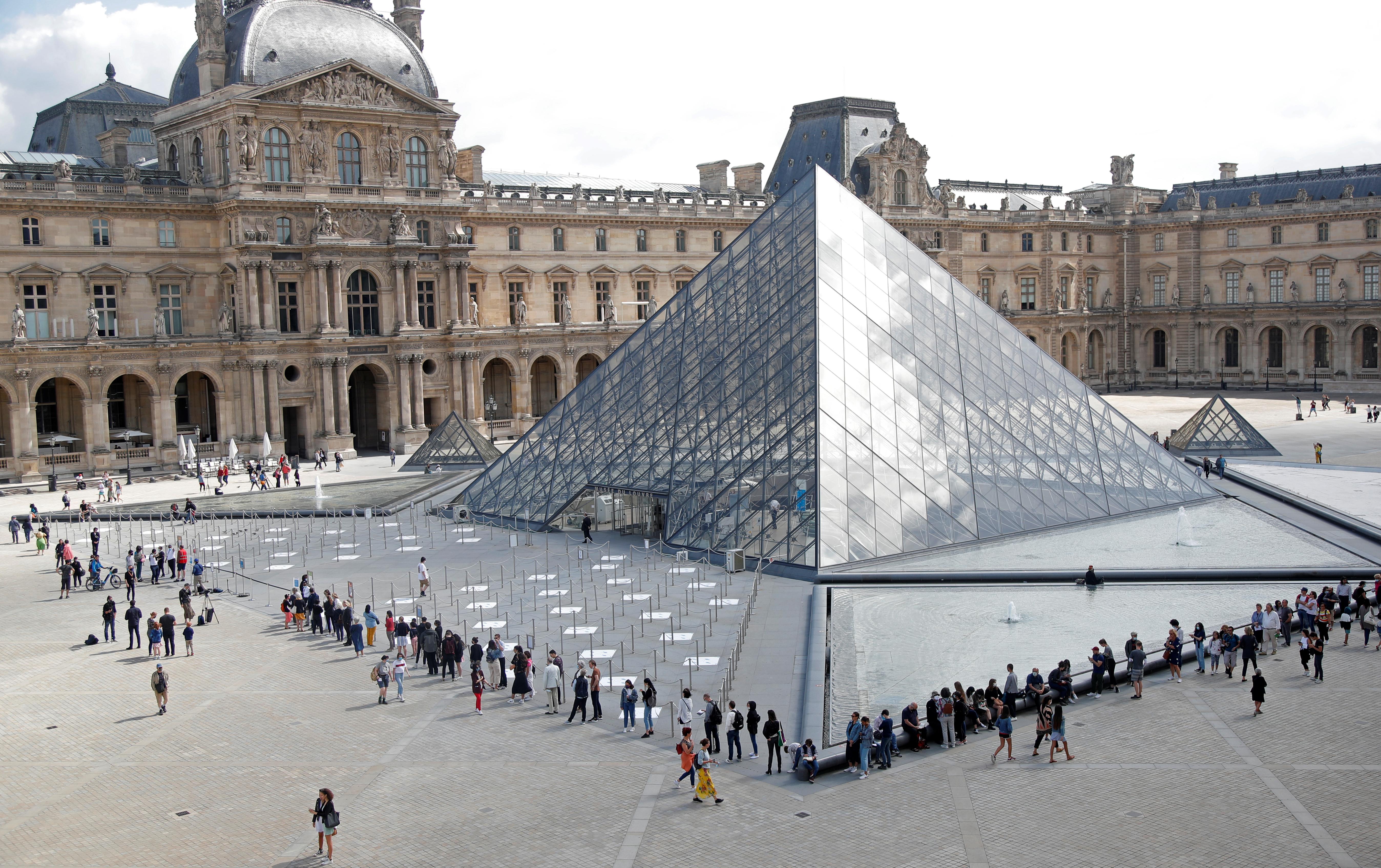 Antes de la pandemia, la mayoría de los visitantes en el que era el museo más visitado del mundo llegaban del extranjero, liderados por viajeros de Estados Unidos.(REUTERS/Charles Platiau)