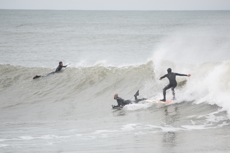 La propuesta de la apertura de actividades se dió en el marco de la reapertura que recomendó la Comisión de Reactivación Económica a través del otorgamiento de permisos precarios para la vuelta de actividades. Y se amplió para distintos deportes individuales, como el surf