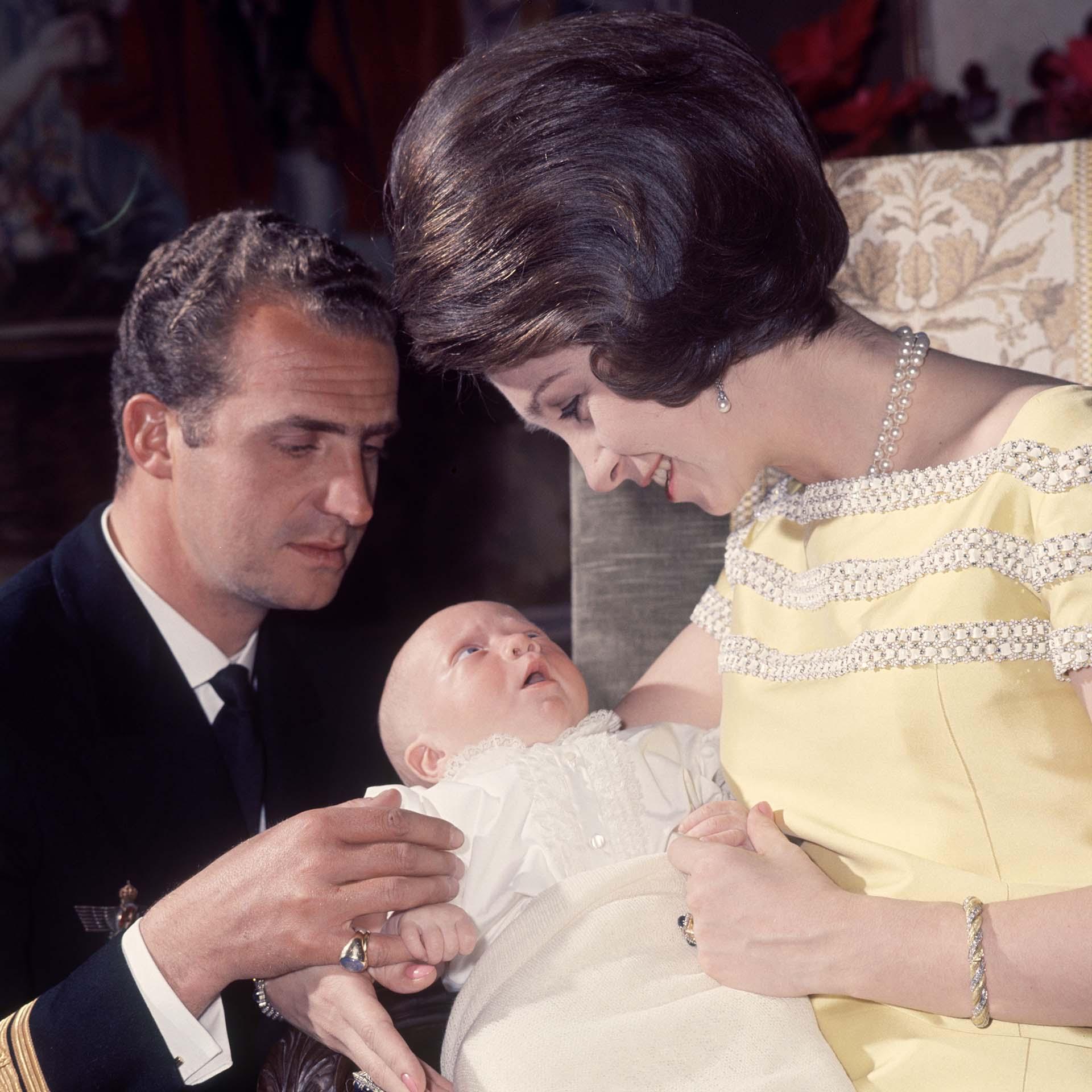 El nacimiento en 1968 de Felipe, quien sería rey de España a partir de 2014, cuando Juan Carlos decidió abdicar en favor suyo (Shutterstock) Prince (King)