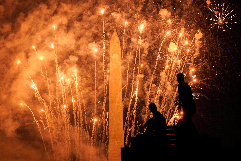 El obelisco de Washington y los fuegos artificiales