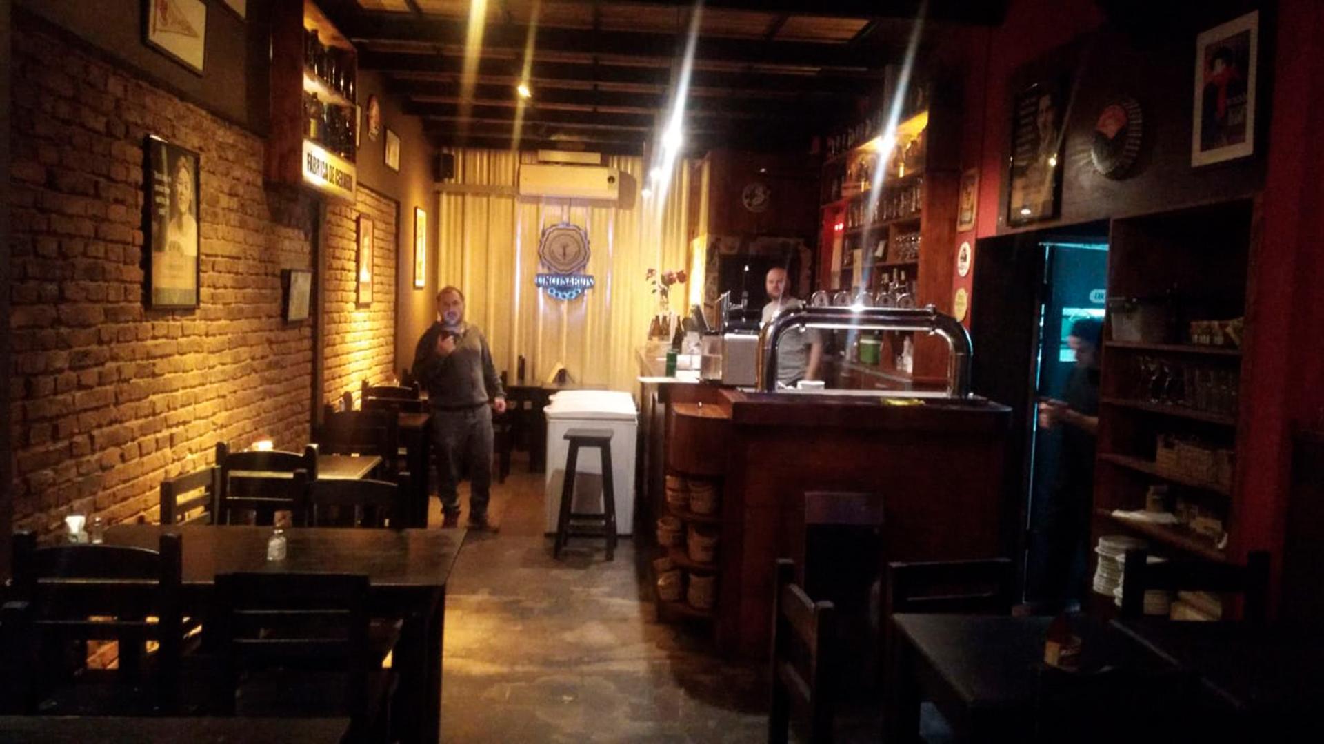 Coronavirus en Argentina: habilitaron la apertura de bares y ...
