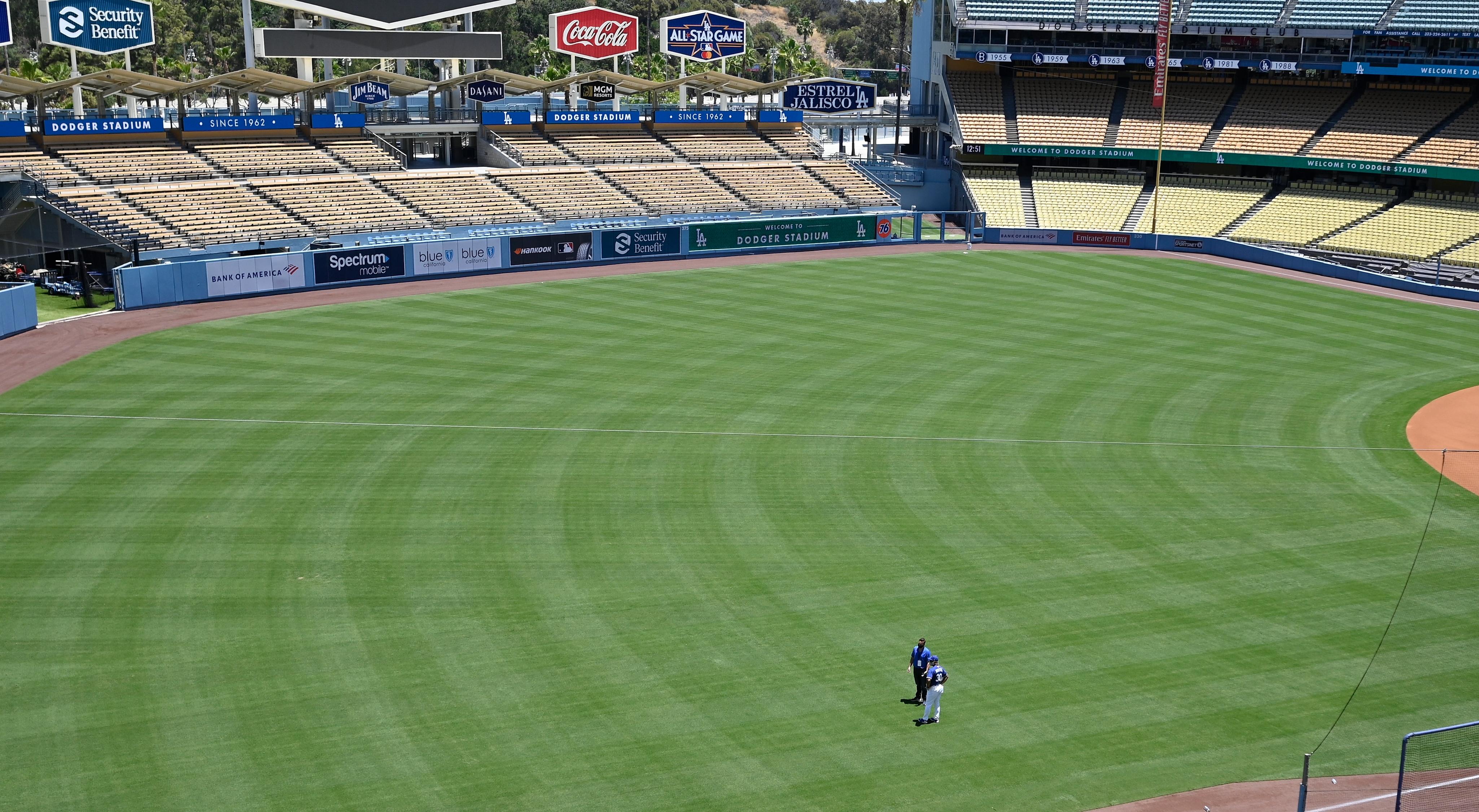 AHORA - El estadio de Los Angeles Dodgers durante la cuarentena (Robert Hanashiro-USA TODAY Sports)