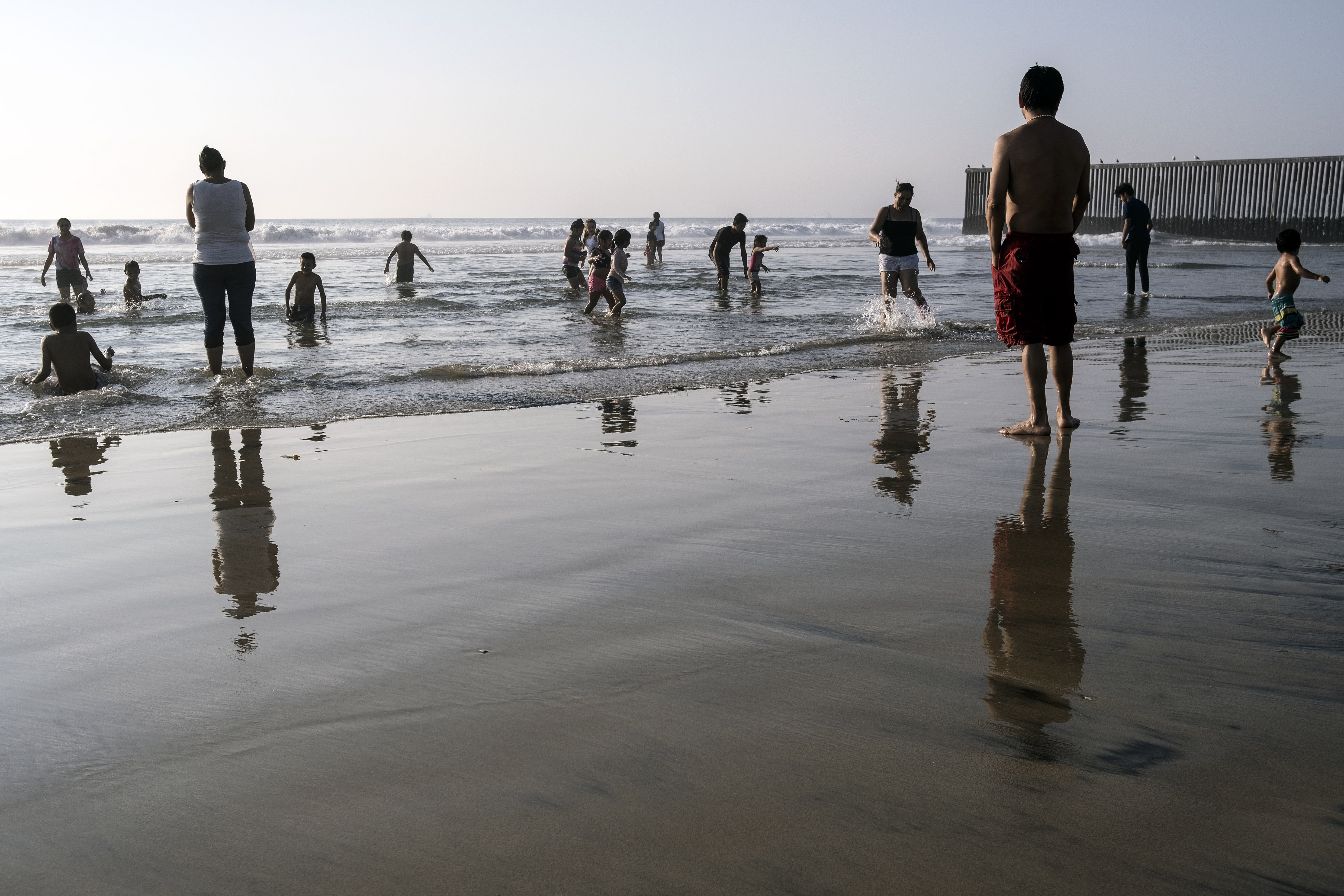 Playas de Tijuana cerca de la frontera entre Estados Unidos y México en Tijuana, estado de Baja California, México, el 3 de octubre de 2020, en medio de la pandemia del coronavirus COVID-19.