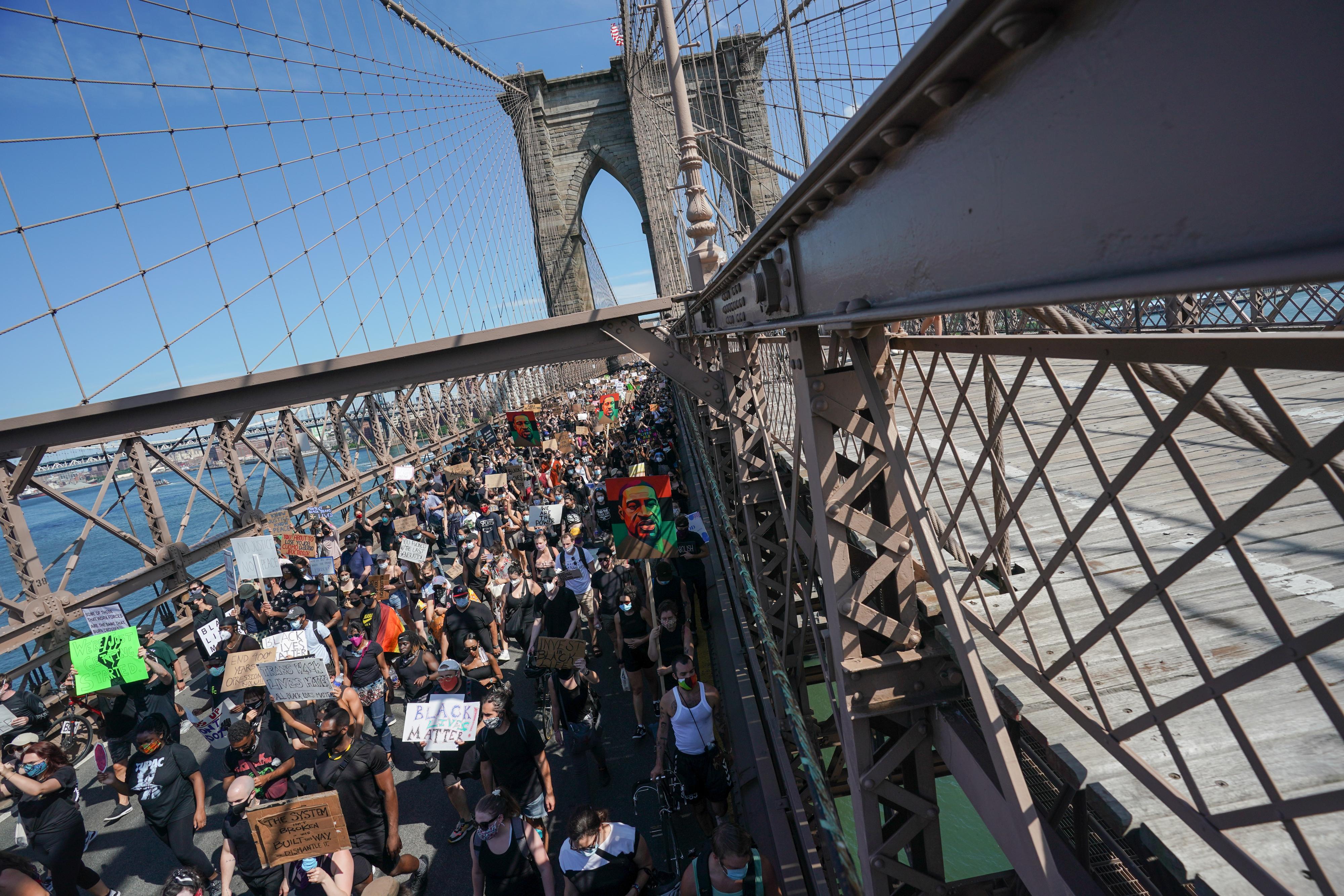 Miles de personas se manifestaron en EEUU por Juneteenth, que conmemora el fin de la esclavitud en el país (AFP)