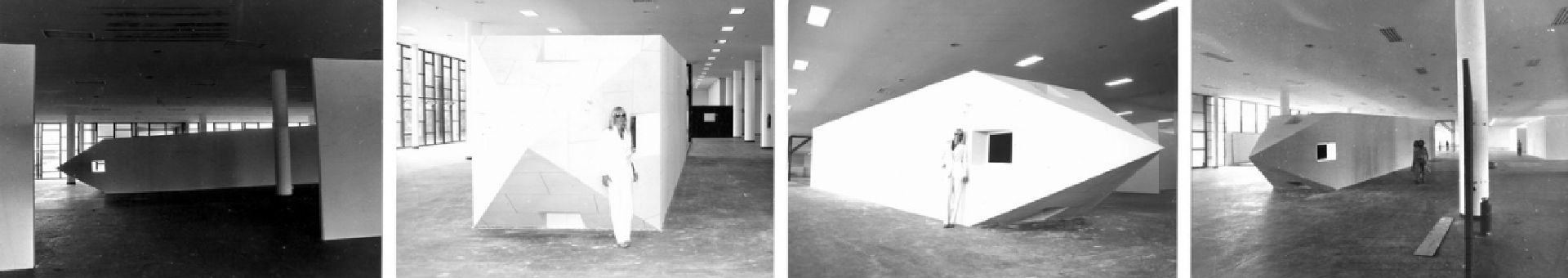 """""""Obelisco acostado"""", de 1978, en la bienal de San Pablo"""