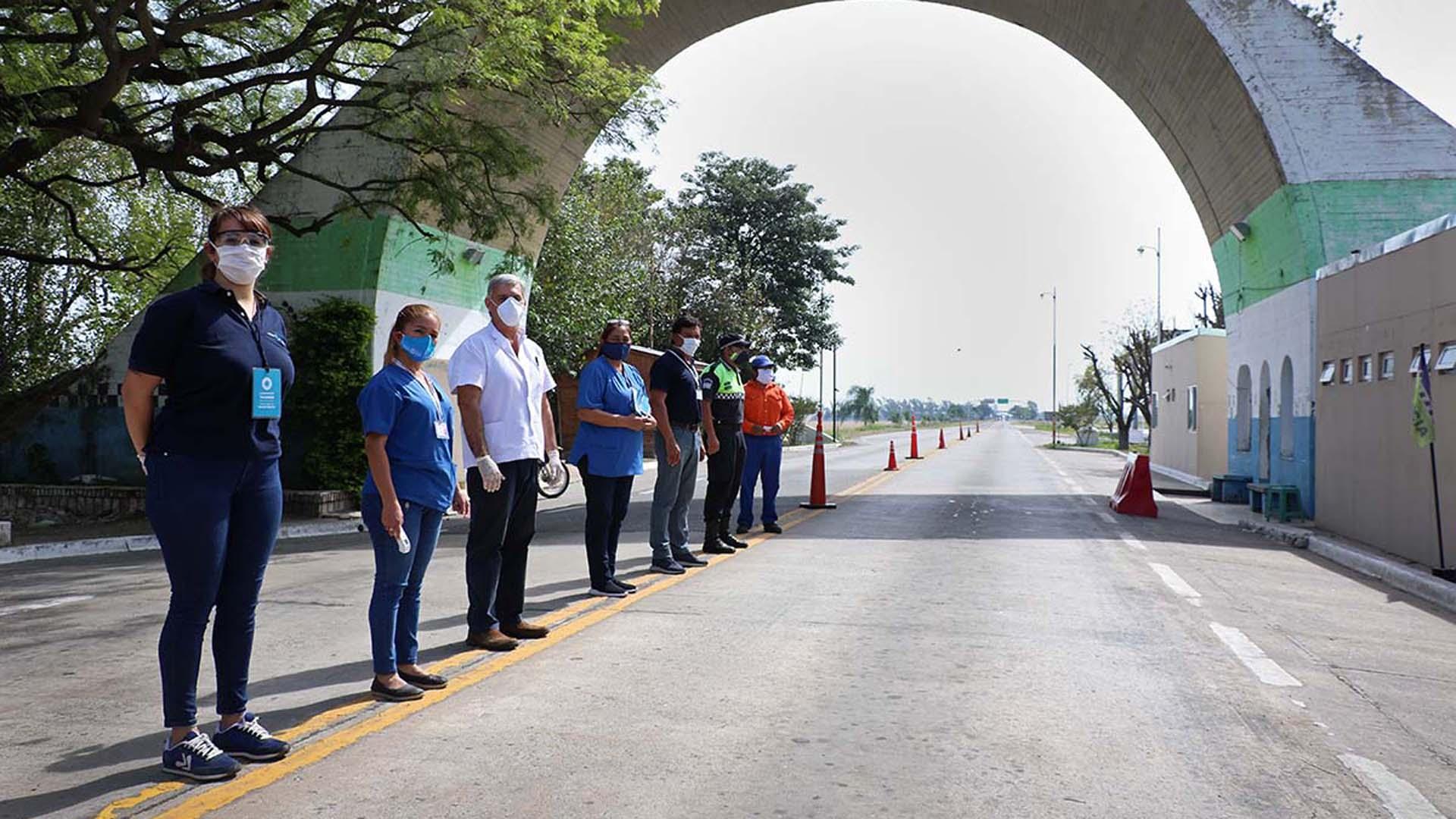 Tucumán: un grupo de taxistas aseguran que los obligaron a entrar ...
