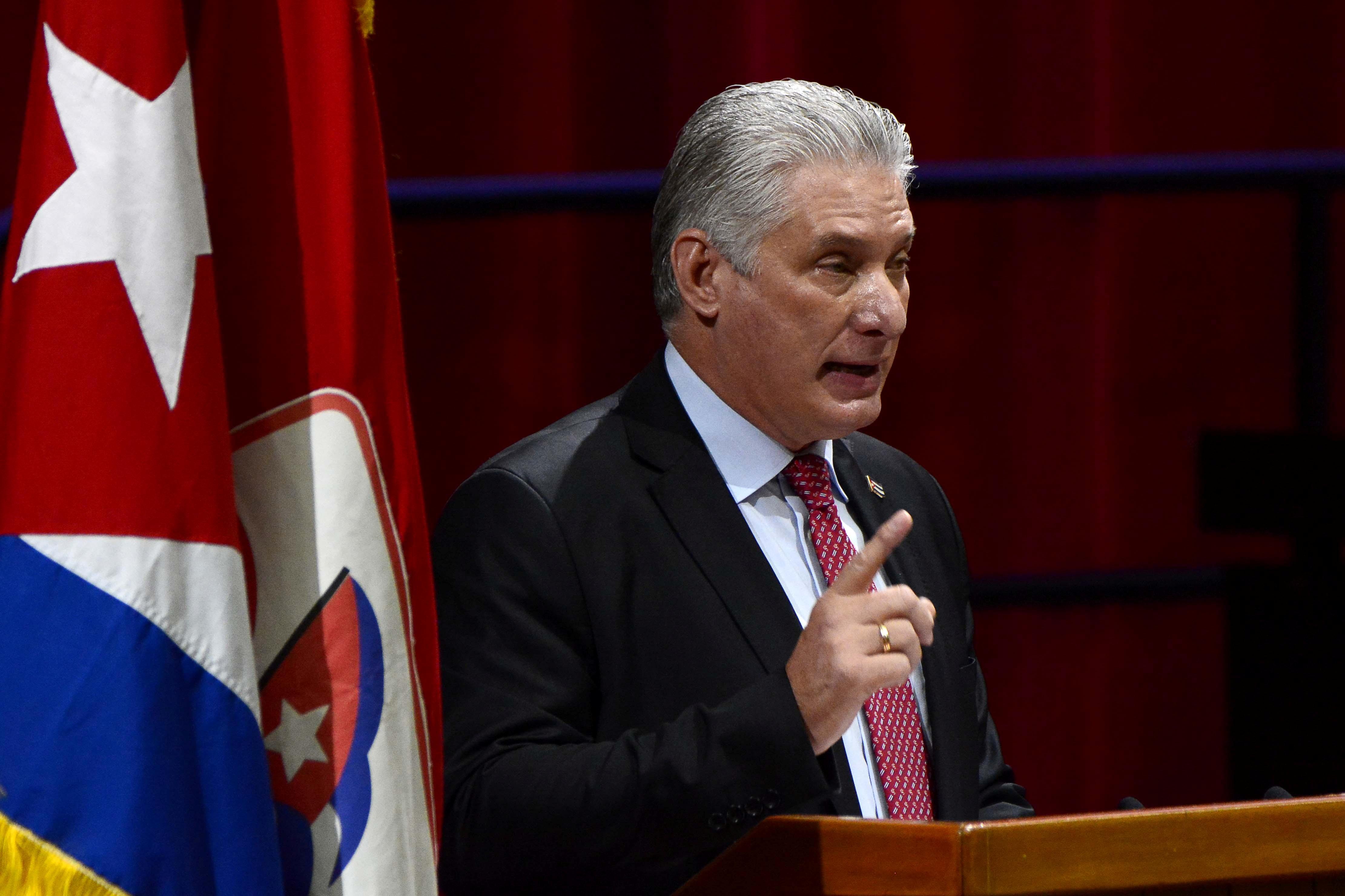 Cercada por las protestas y el descontento social, la dictadura cubana  eliminó los impuestos de importación a emprendedores privados - Infobae