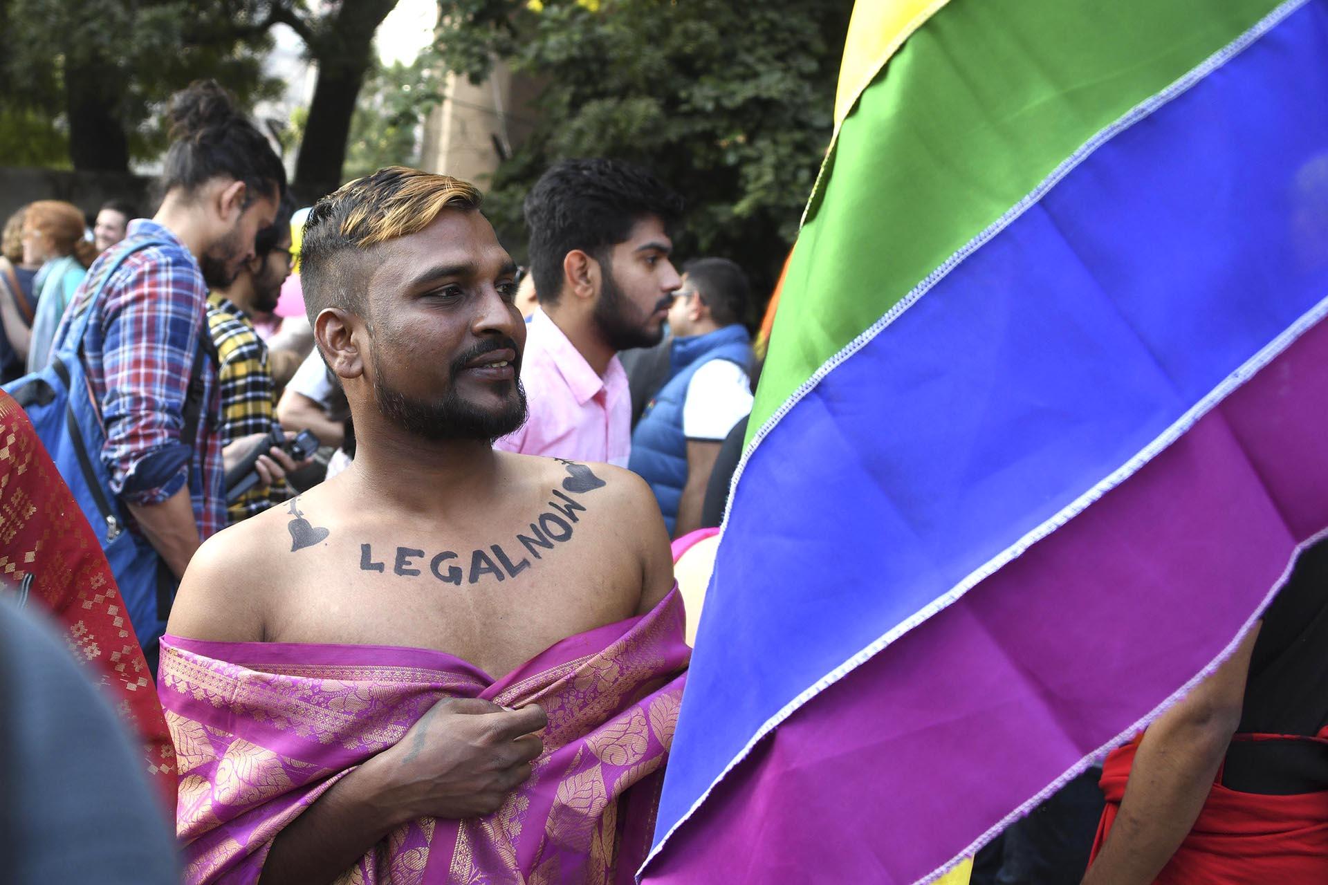 Miembros del colectivo LGBT en la India marcharon por Nueva Delhi el 25 de noviembre de 2018